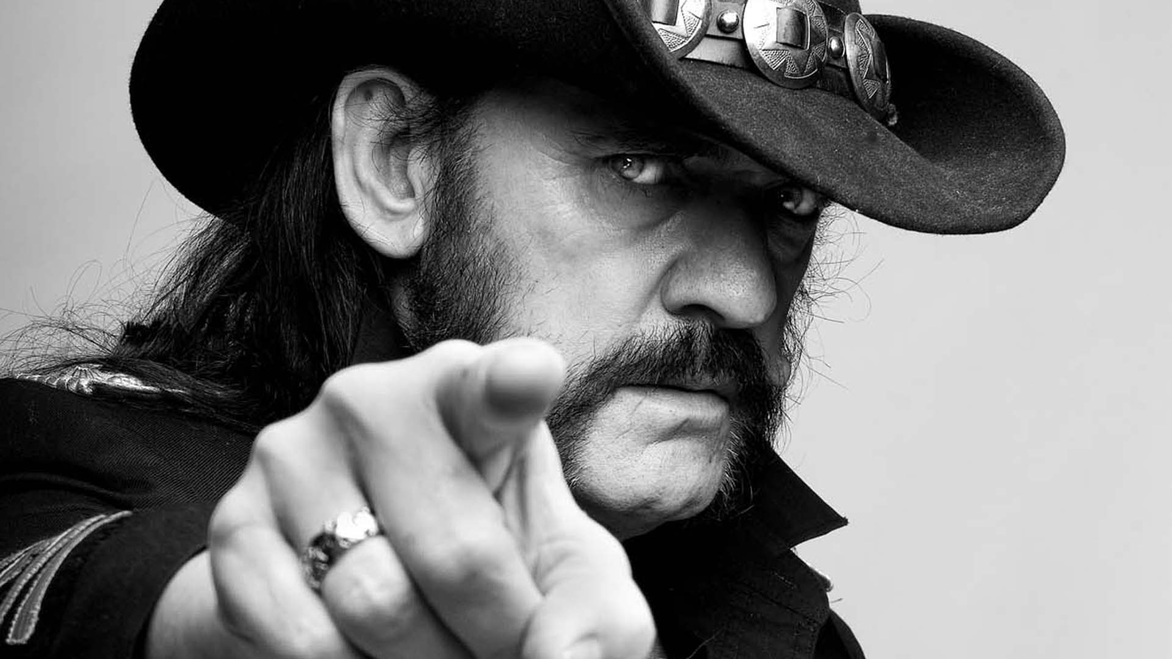 Wallpaper motorhead, hat, hand, finger, look