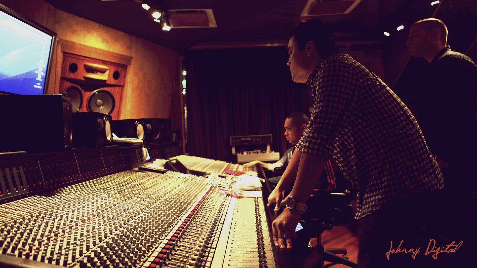 Studio amp Recording Sweetwater · music recording studio hd …