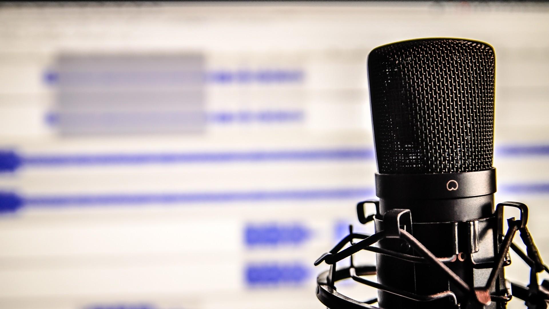 Preview wallpaper microphone, studio, recording 1920×1080