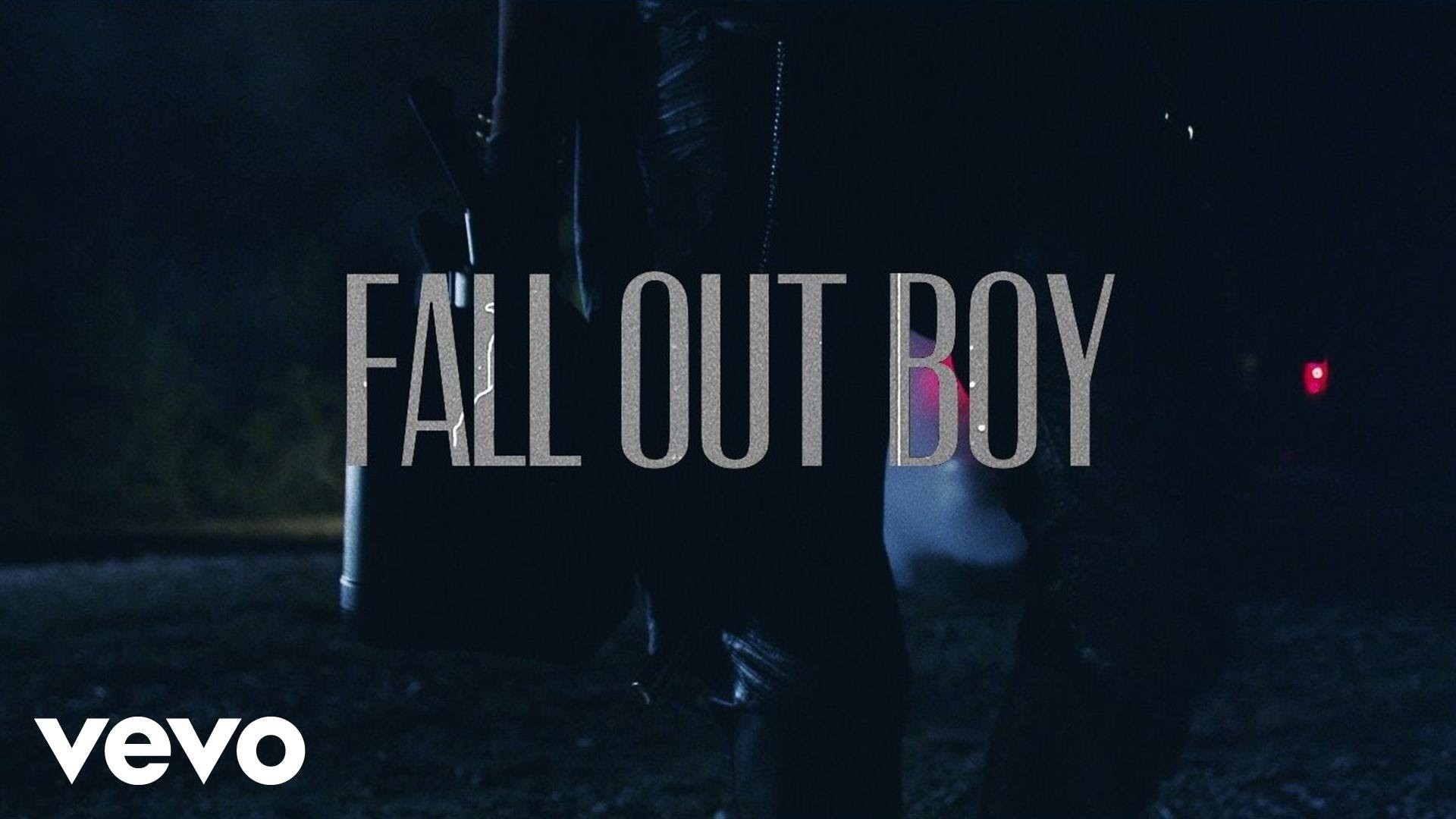Fall Out Boy – My Songs Know What You Did In The Dark (Light Em Up) – Part  1 of 11 – YouTube