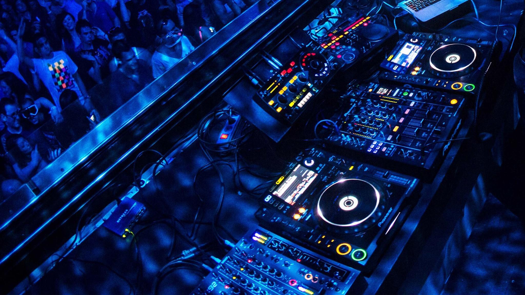 DJ mixer HD Wallpaper | Wallpapers | Pinterest | Mixers, Dj and Hd wallpaper