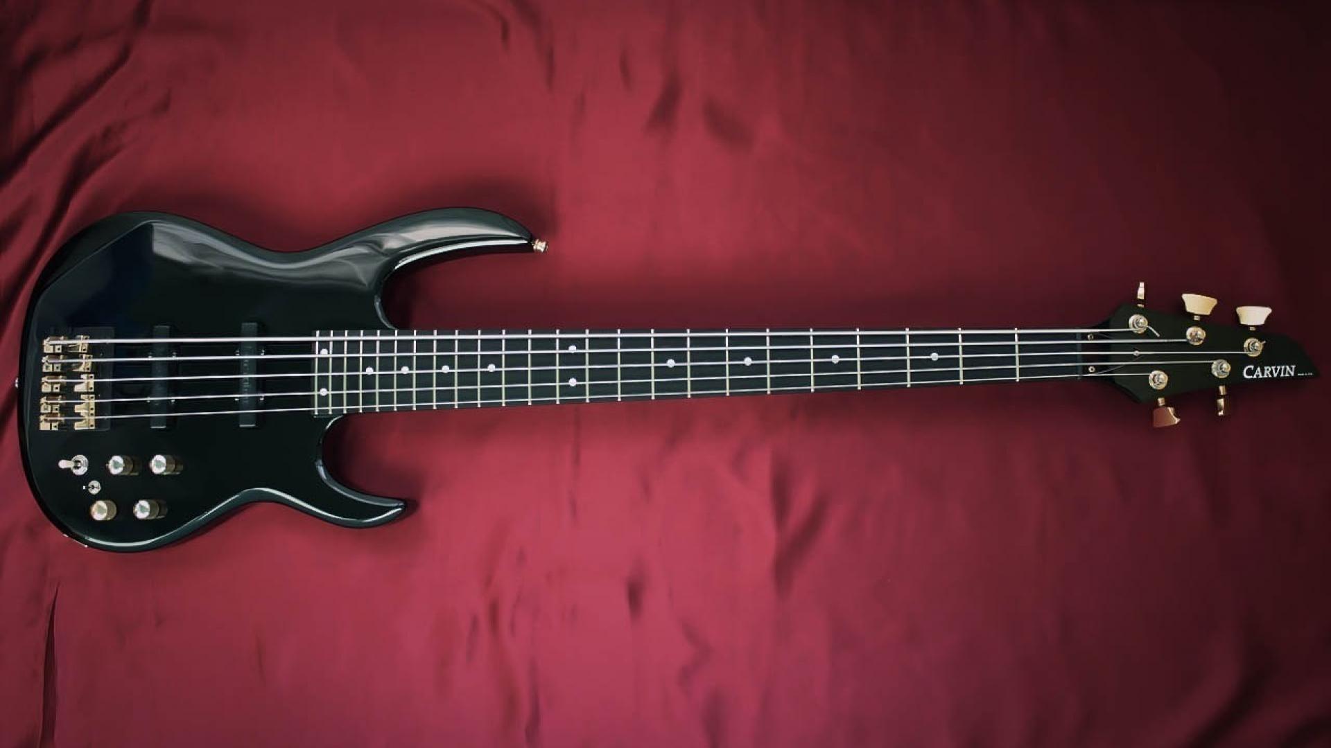 Bass guitars wallpaper | (56668)