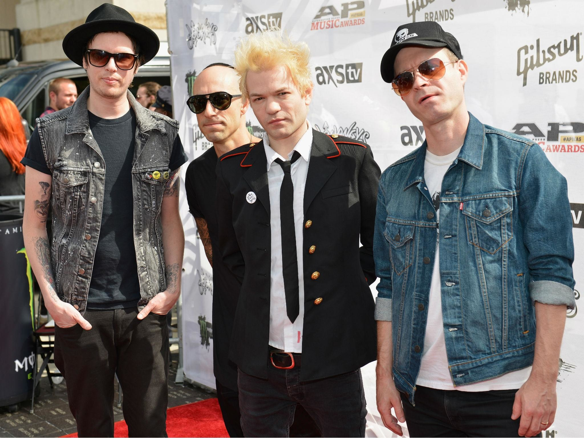 Sum 41 share details of first new album in five years 13 Voices | The  Independent