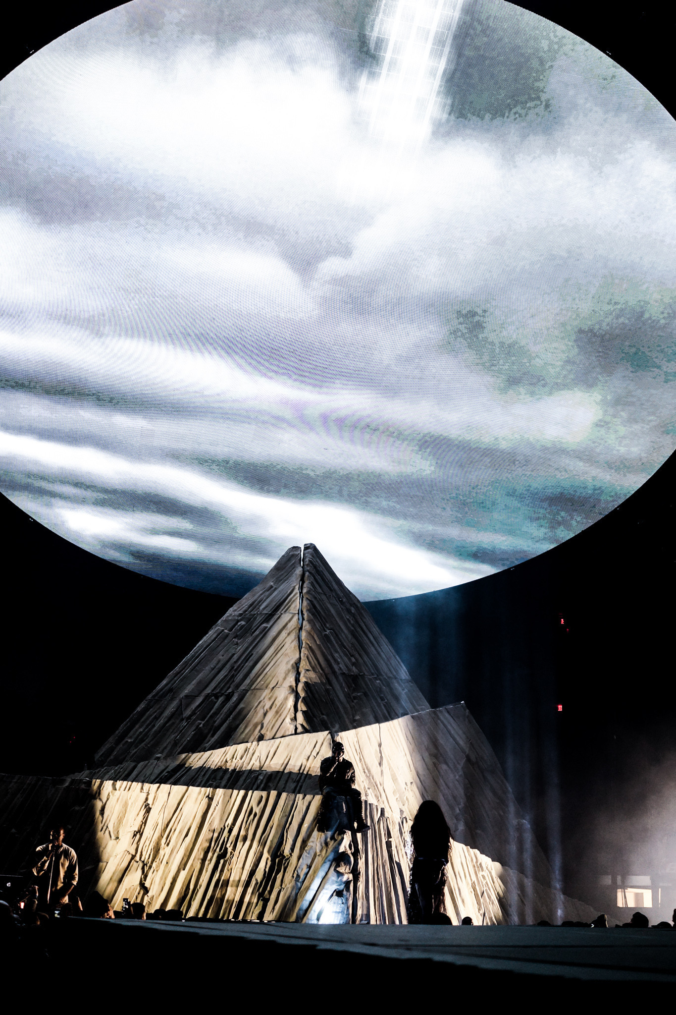 HD YEEZUS Tour Wallpapers (Desktop & Phone) [UPDATED!!] Â« Kanye