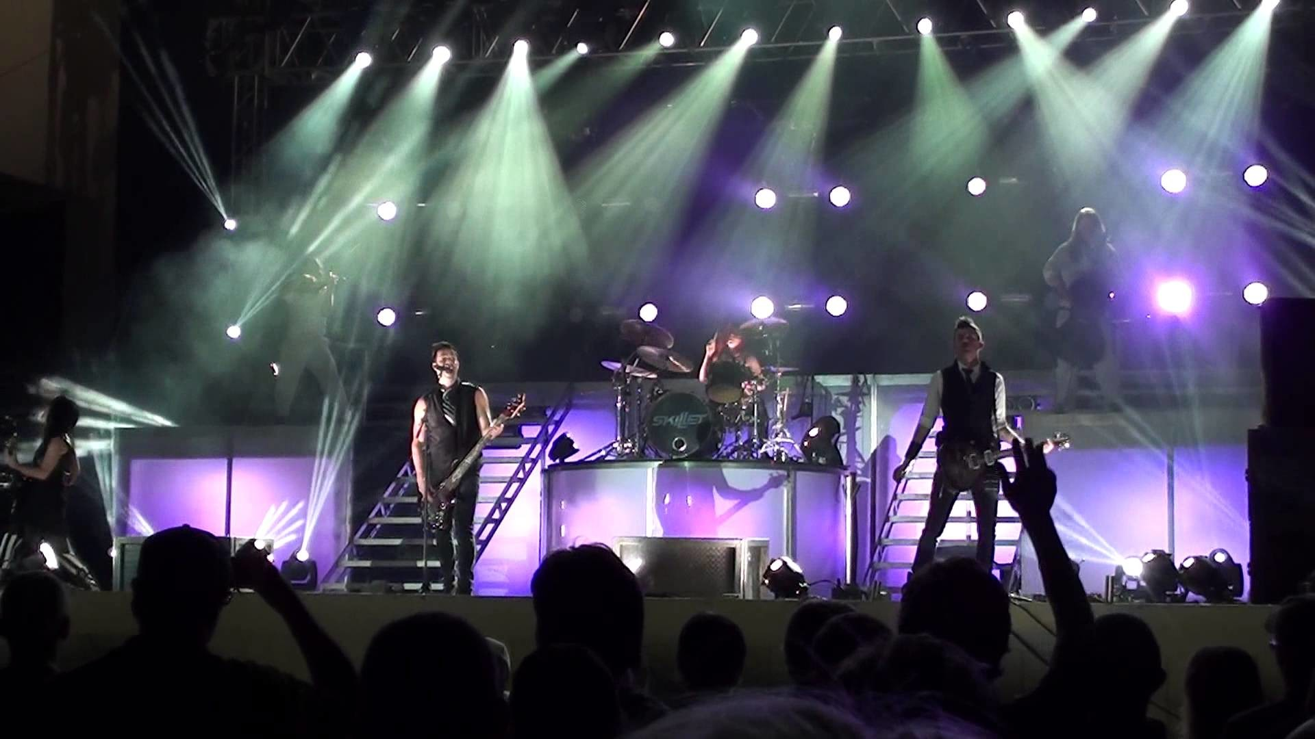 Skillet – The Last Night – New Show! – HD Video! – Live @ Kingsfest 2013