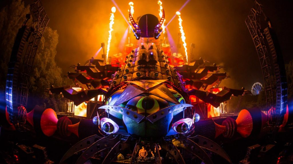 Eye candy: 40+ photos of beautiful EDM festival stage designs .