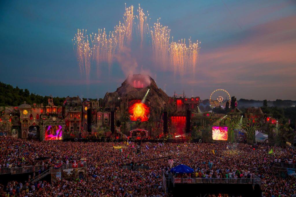 EDM stage design – Tomorrowland 2013 daytime