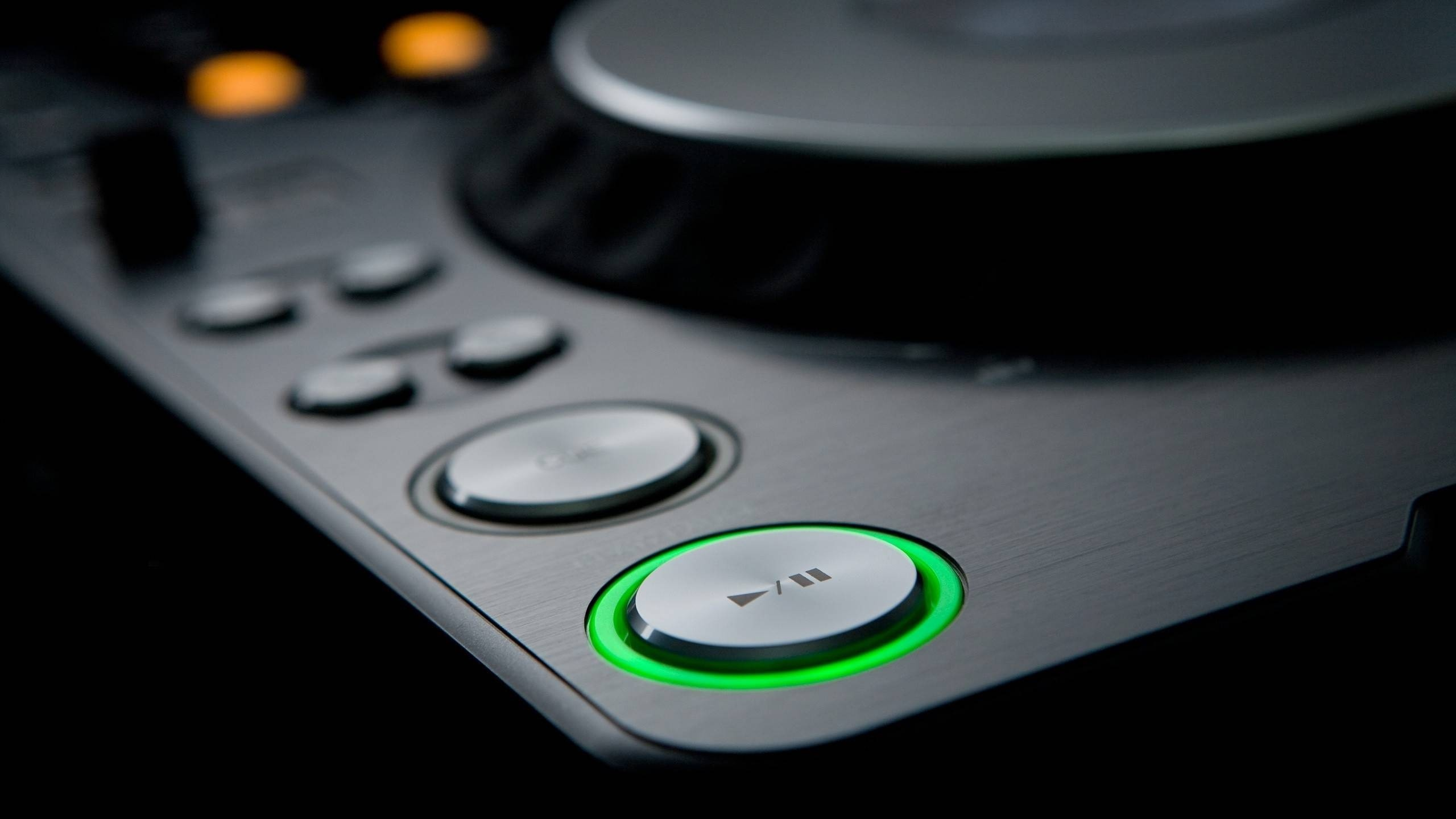 Preview wallpaper dj, mixing consoles, buttons, lights 2560×1440