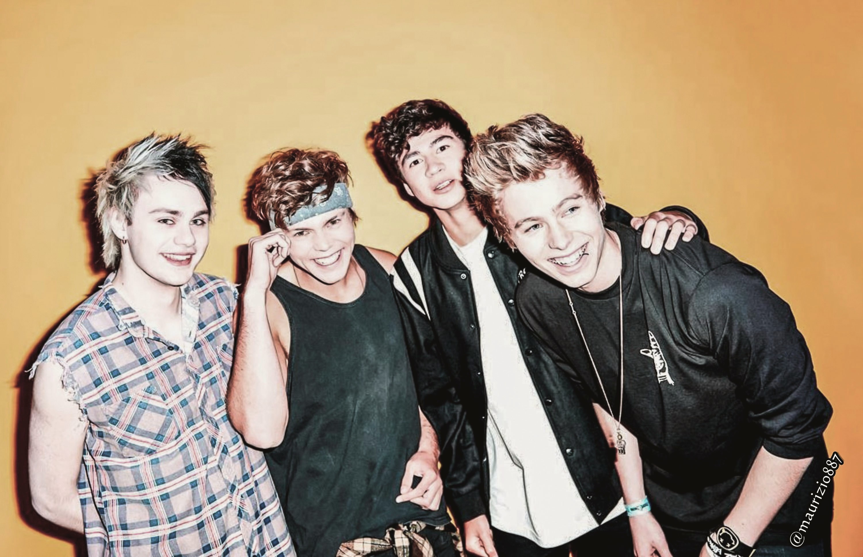 5 Seconds Of Summer wallpapers for iphone