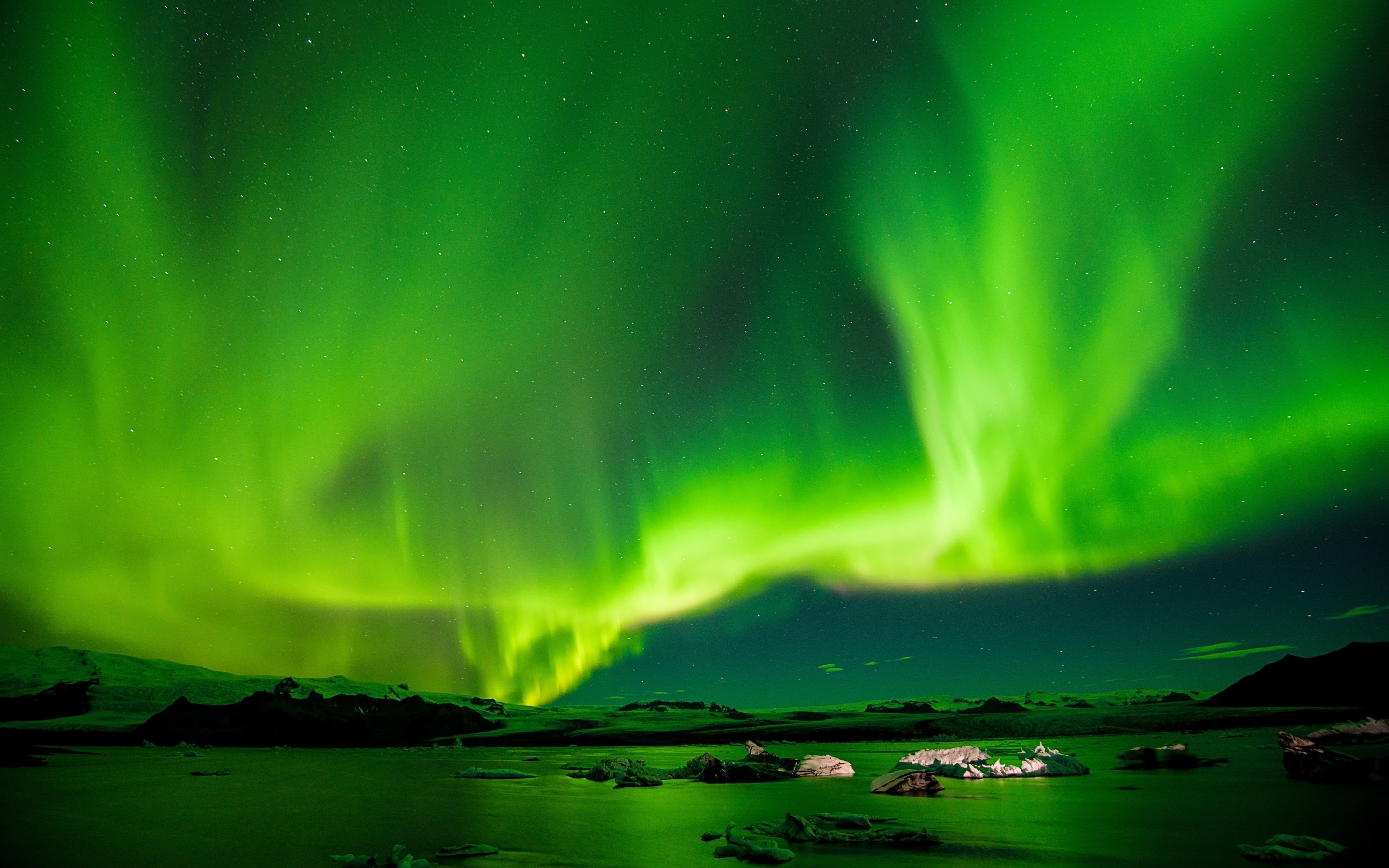 4K HD Wallpaper: Aurora Borealis in Iceland · Free Photo with Northern  Lights