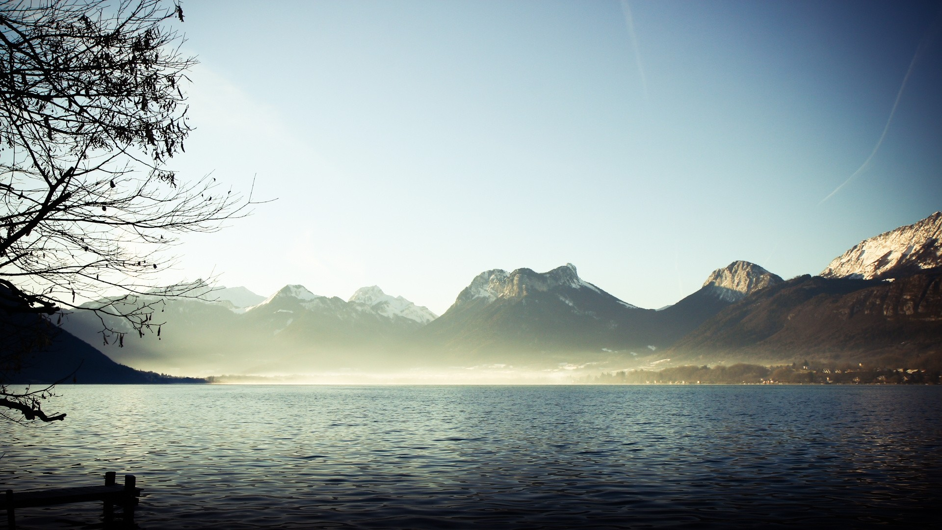 Wallpaper mountains, fog, lake, branches, silence
