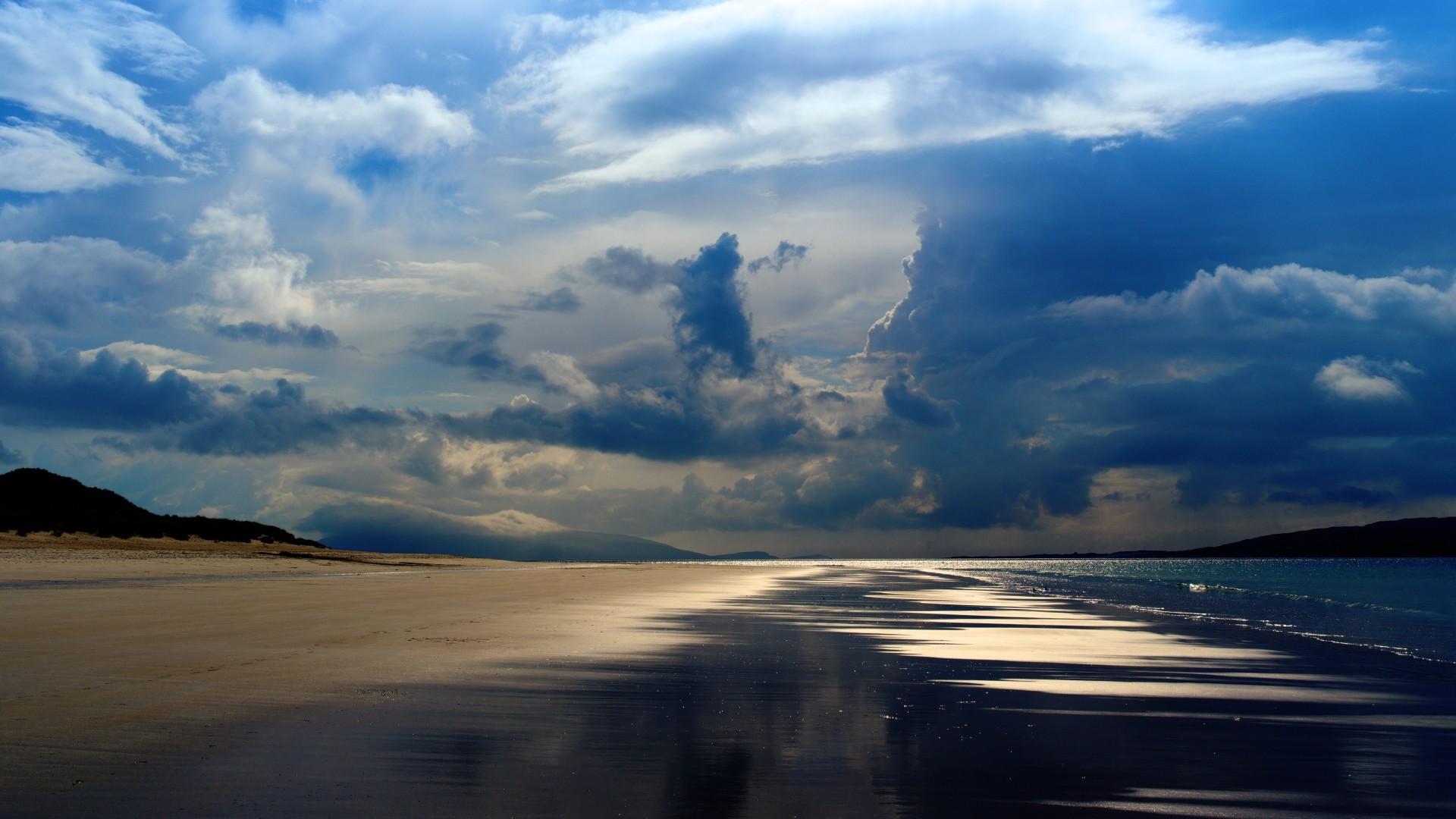 Preview wallpaper sea, ocean, evening, beach, sand, sky, clouds 1920×1080