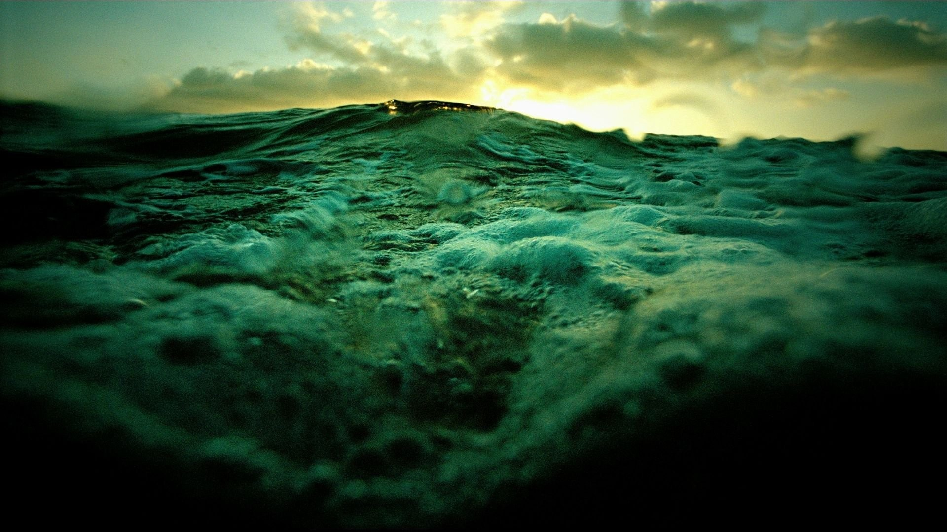Stormy Sea 745646