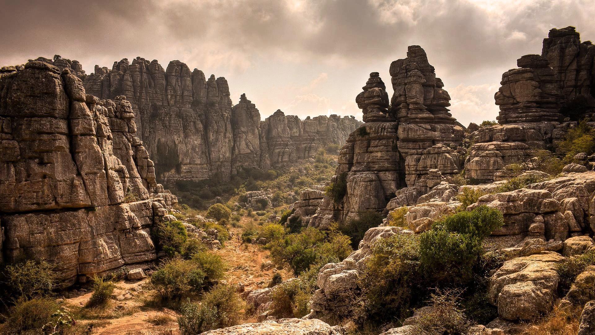 Rocky Landscape Wallpaper HD
