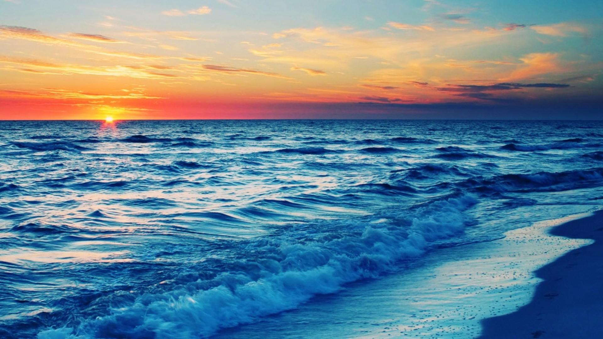 Beach At Sunset wallpaperwallpaper screensaver .