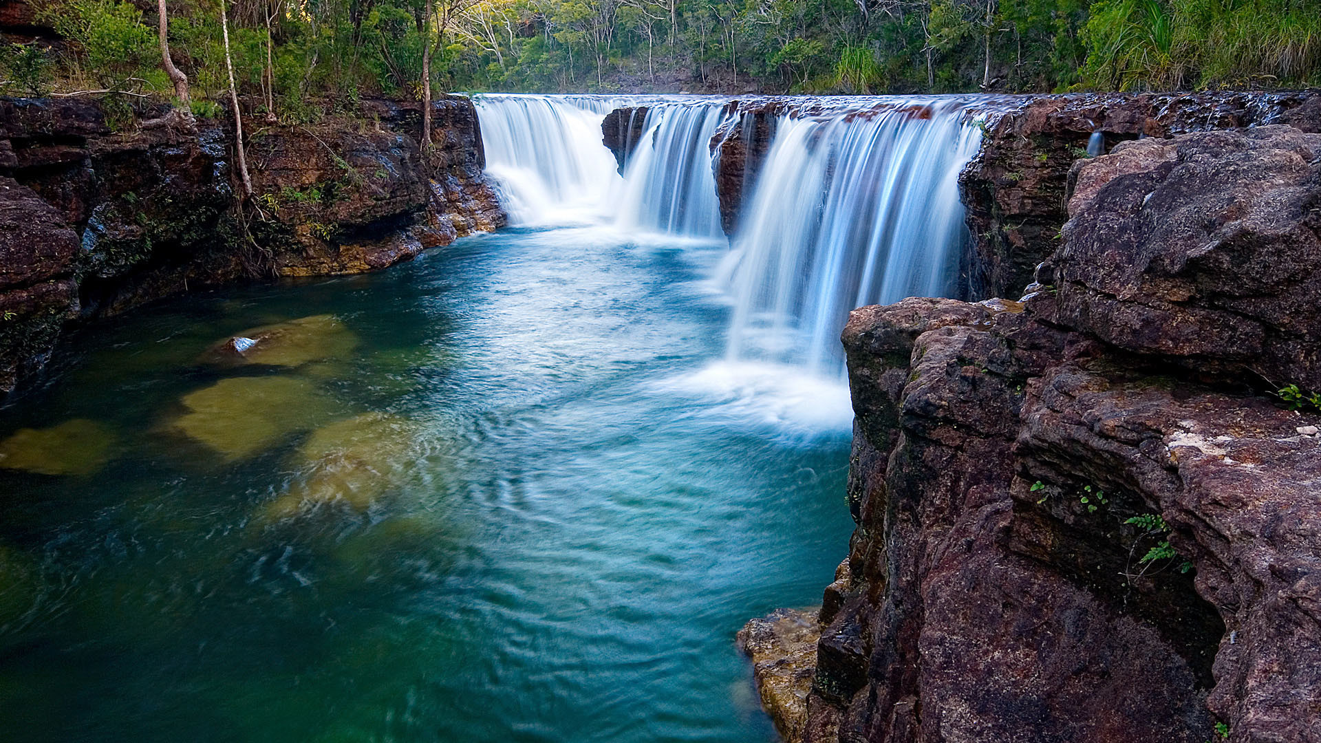 Download this Waterfall Wallpaper picture