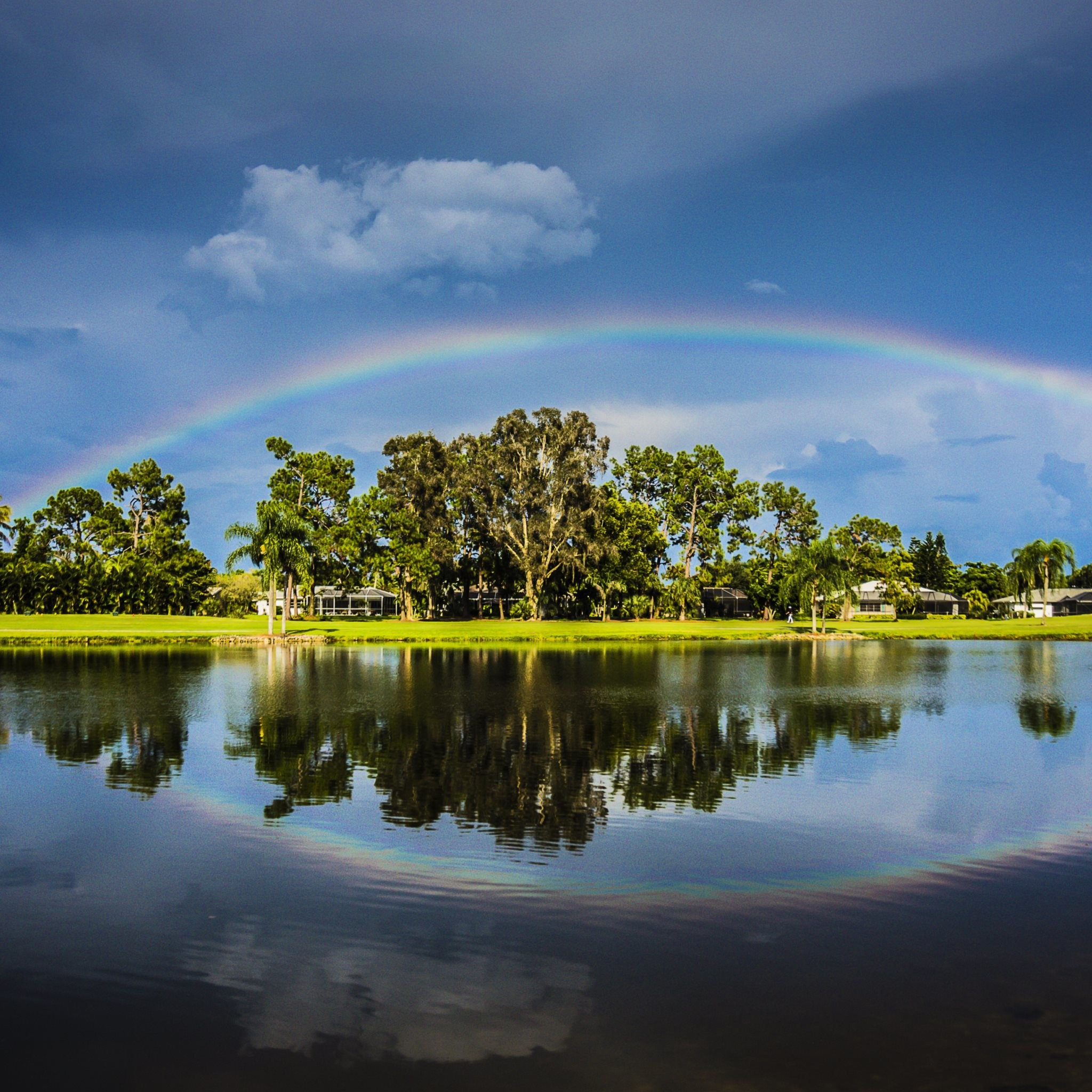 4K HD Wallpaper: Rainbow over the golf course