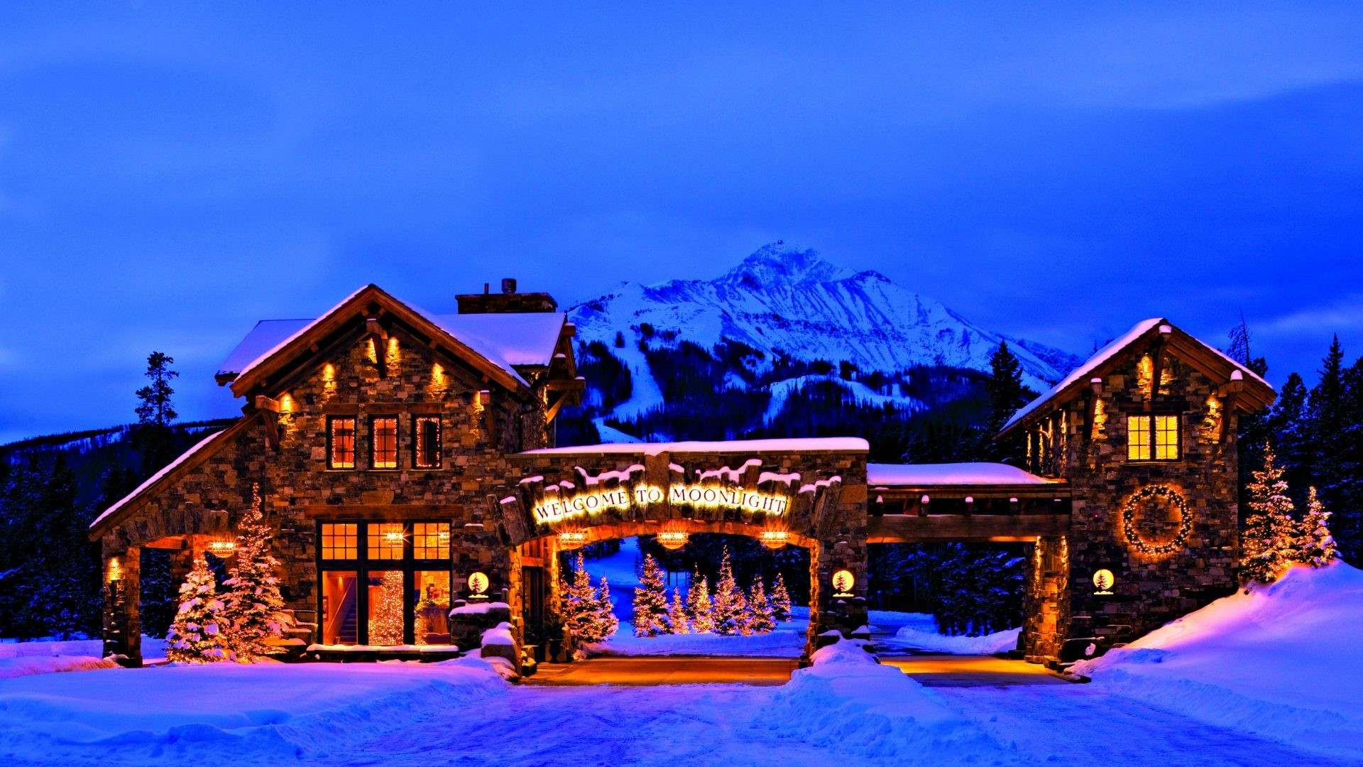 Merry Tag – View Mountains Beautiful Snow Cold Christmas Peaceful Houses  Lights Tree Beauty Landscape Frozen