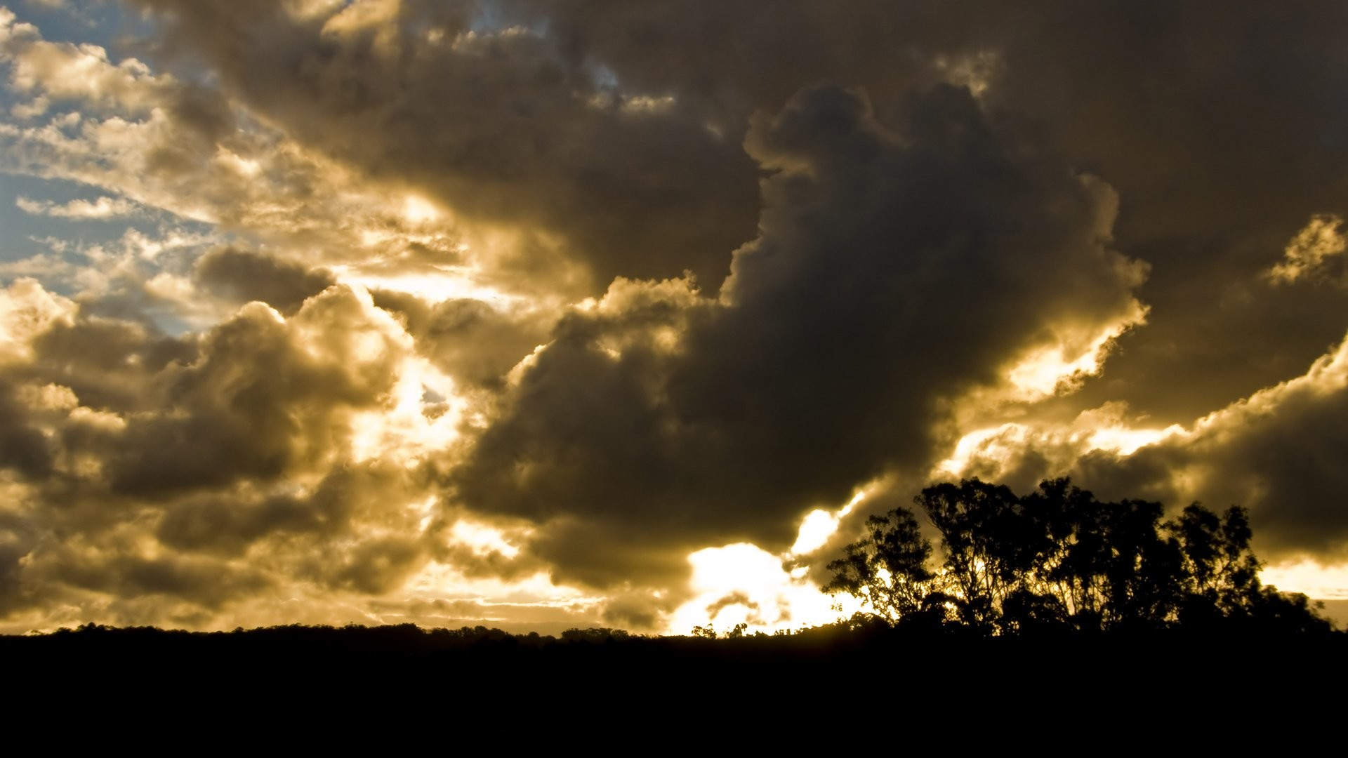 Stormy Skies 601768