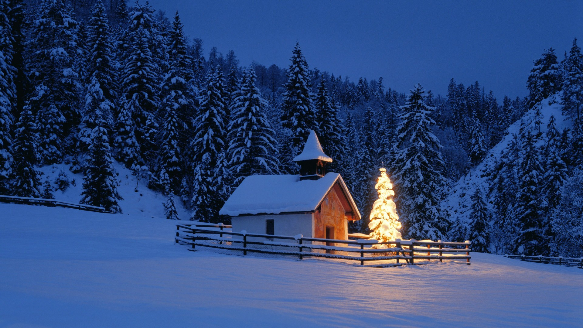 which is under the winter wallpapers category of free hd wallpapers .