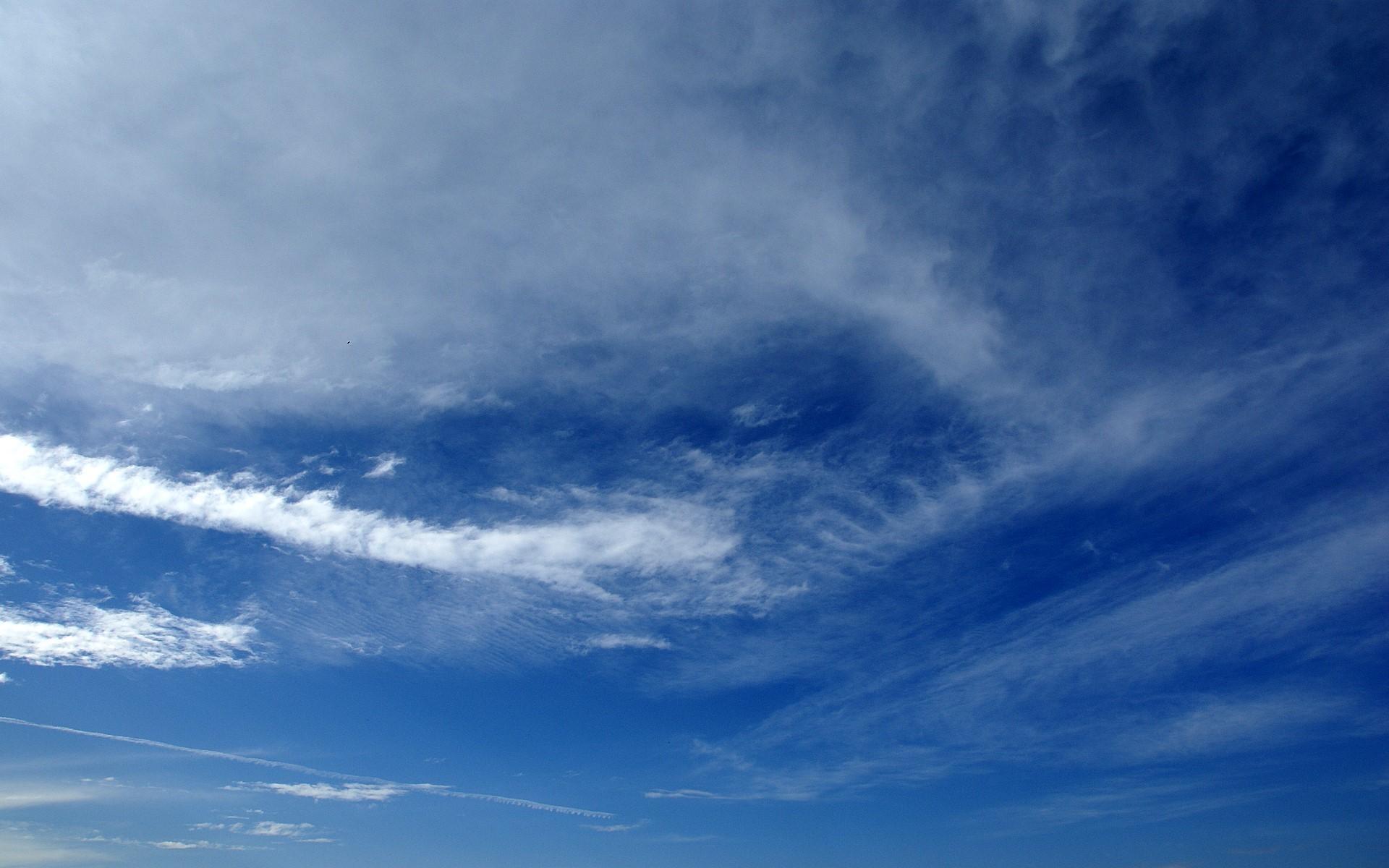 blue sky with stripe cloud