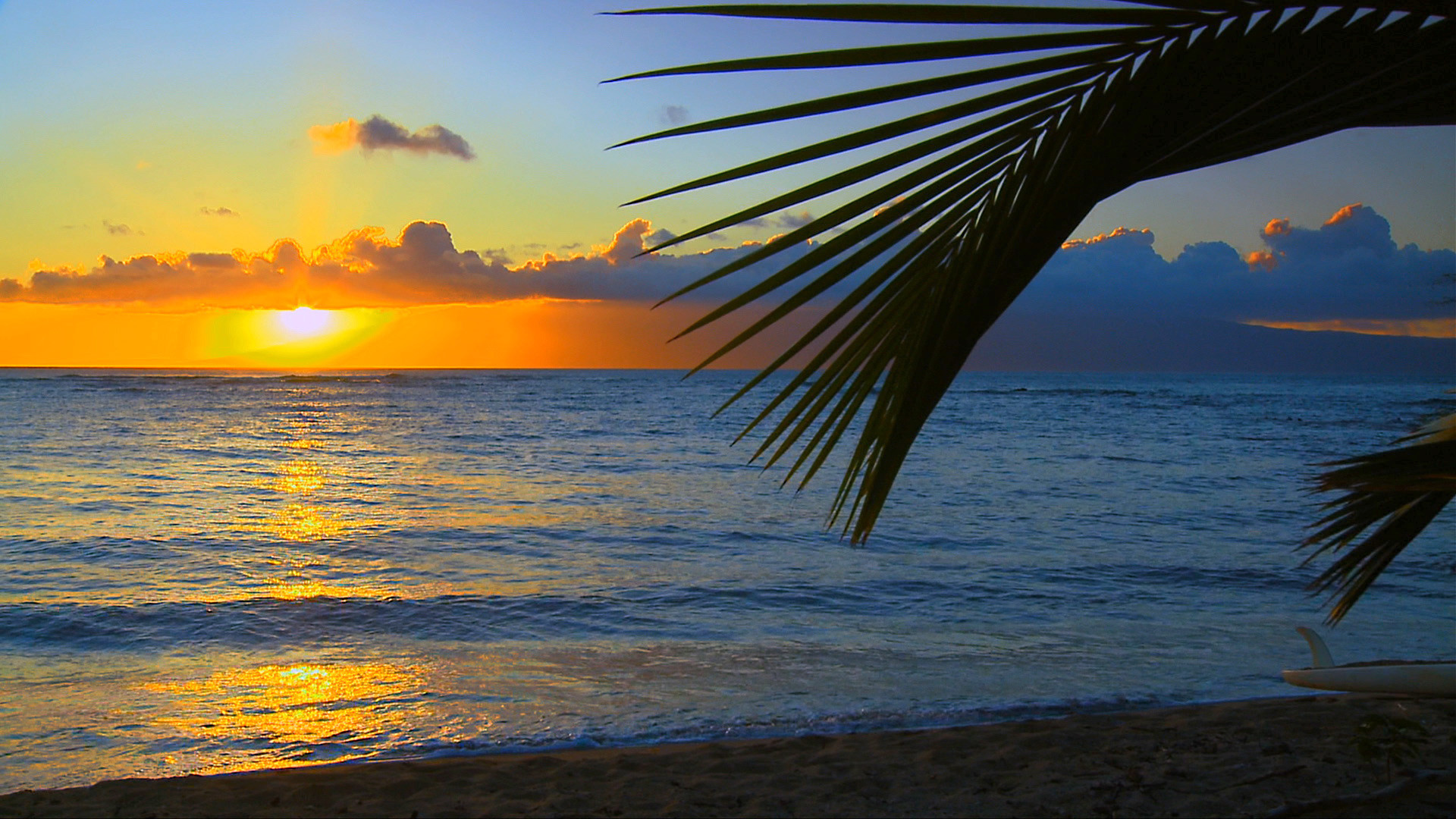 Keonenui Beach In Hawaii Desktop Wallpaper