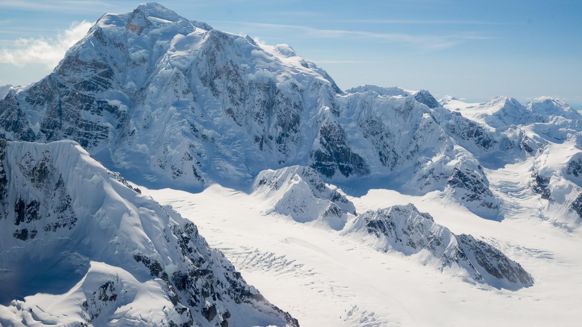 4K HD Wallpaper: Alaska. Landscape. Snow. Mountain Peaks