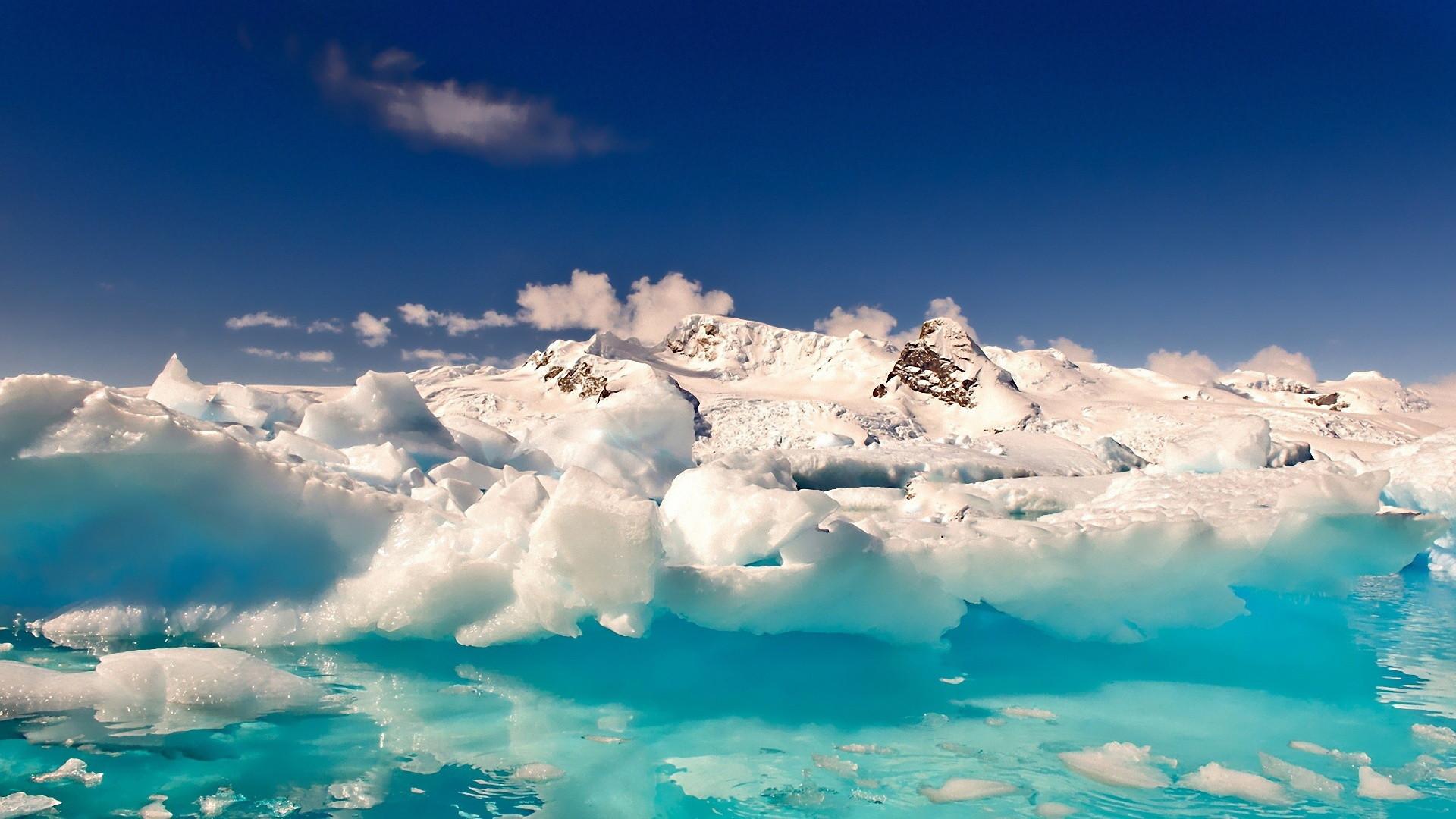 Antarctica Melting Snow Mountain Wallpaper