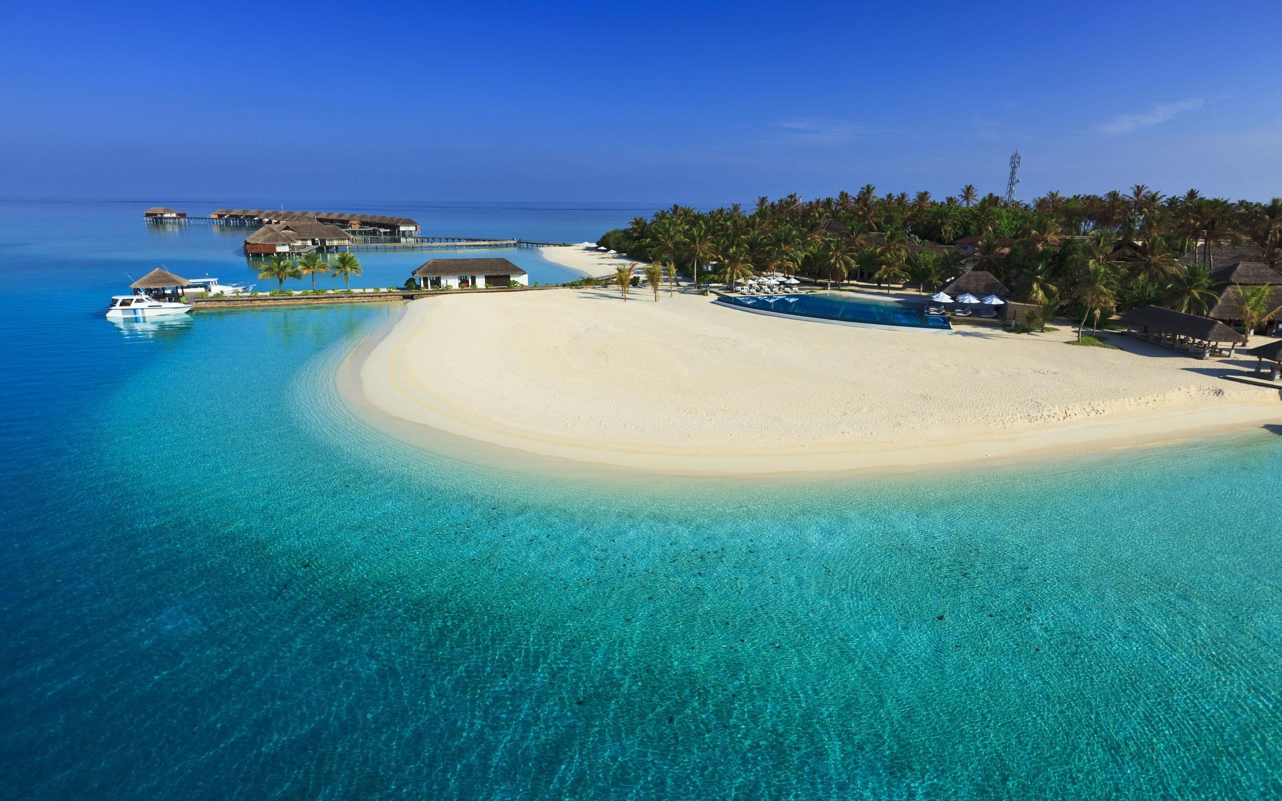 Explore Beautiful Beach, Beautiful Places, and more! Maldives Luxury Resort  Iphone Panoramic Wallpaper HD Pic