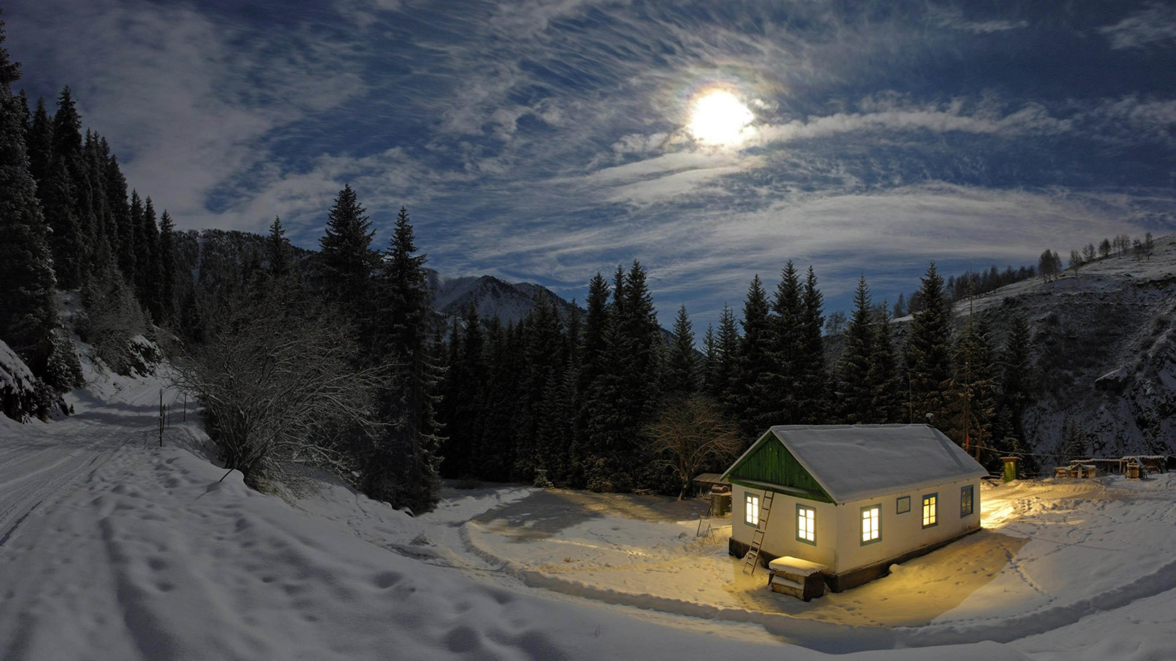 House in Winter Night wallpaper