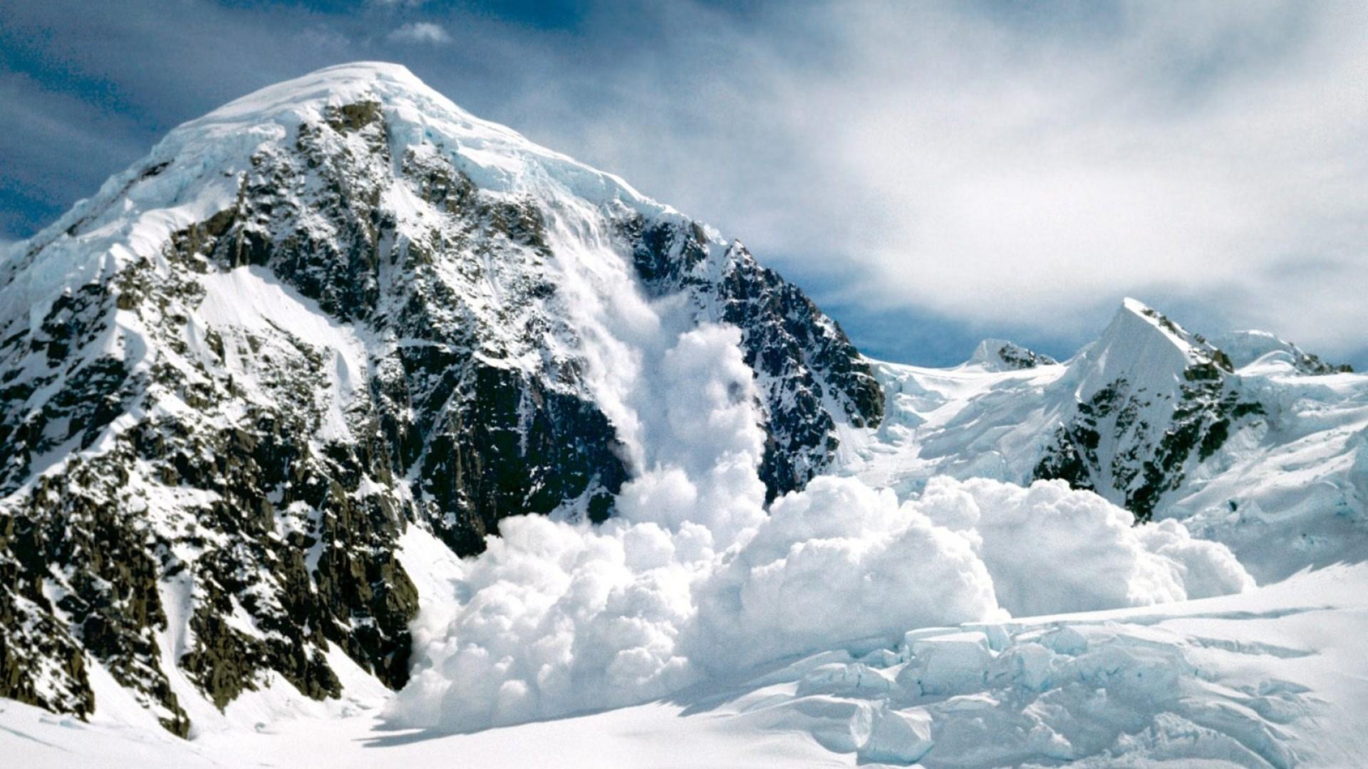 Preview wallpaper alaska, mountains, snow, avalanche 1920×1080