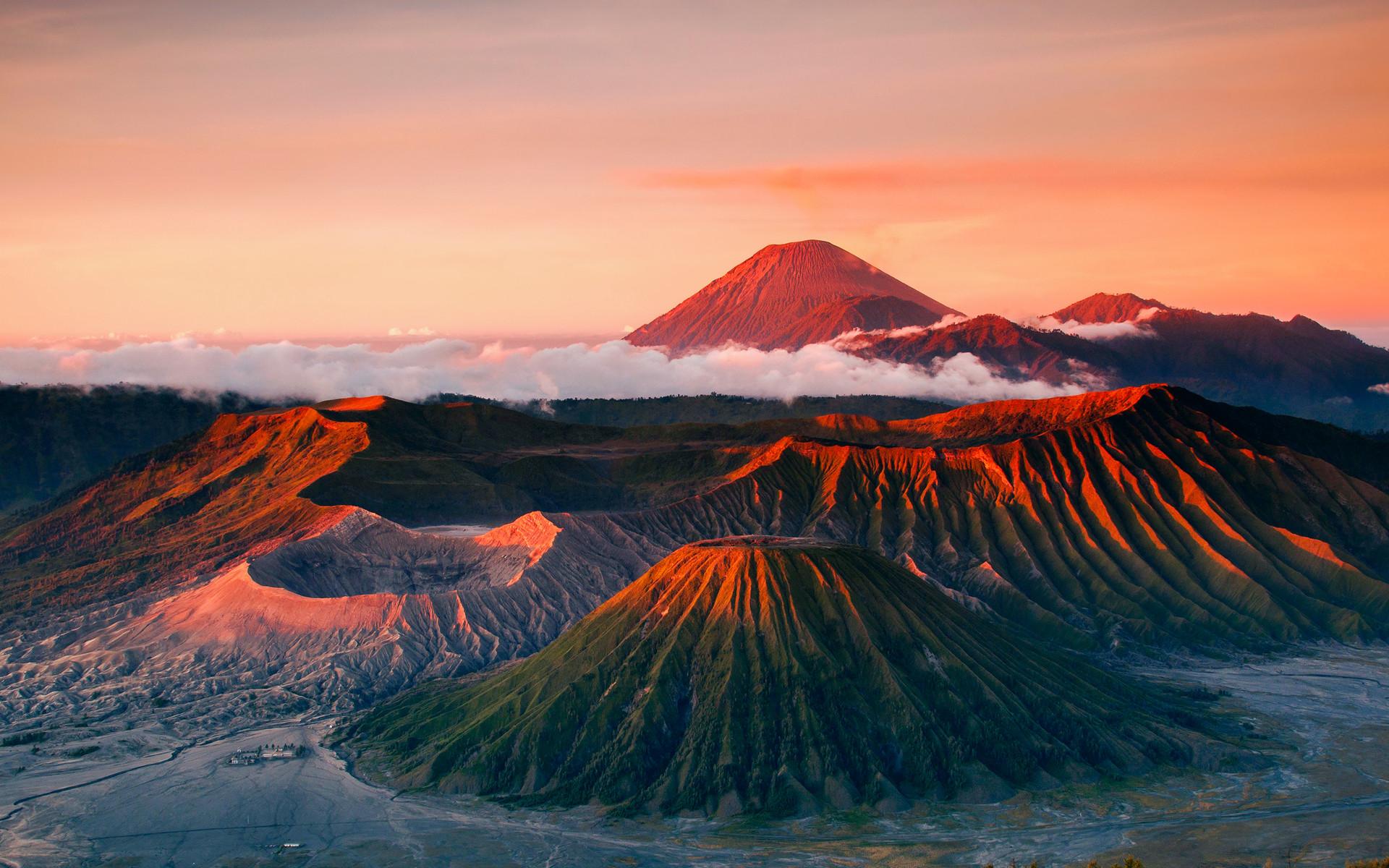 Volcano Wallpaper