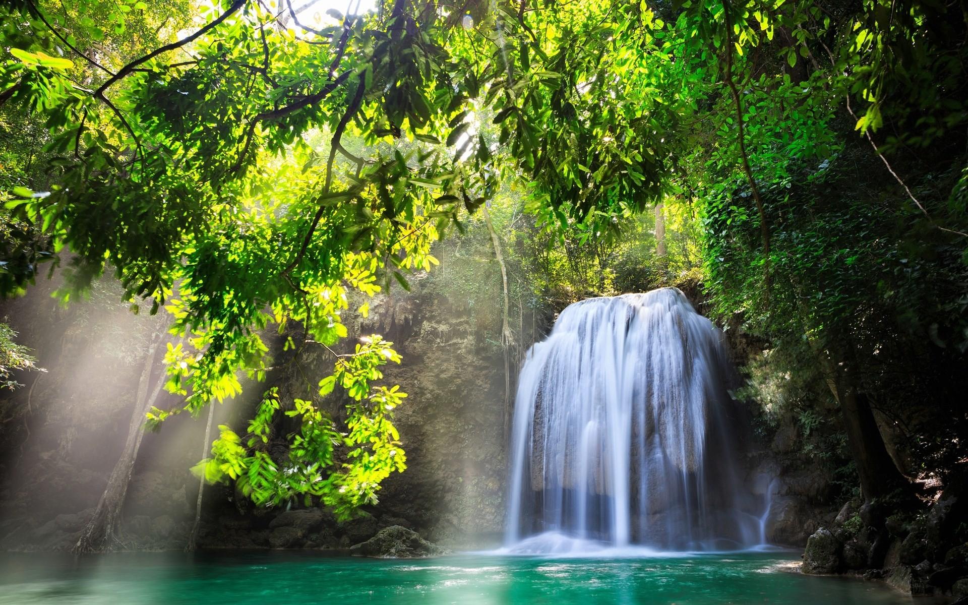 Desktop Background – waterfall