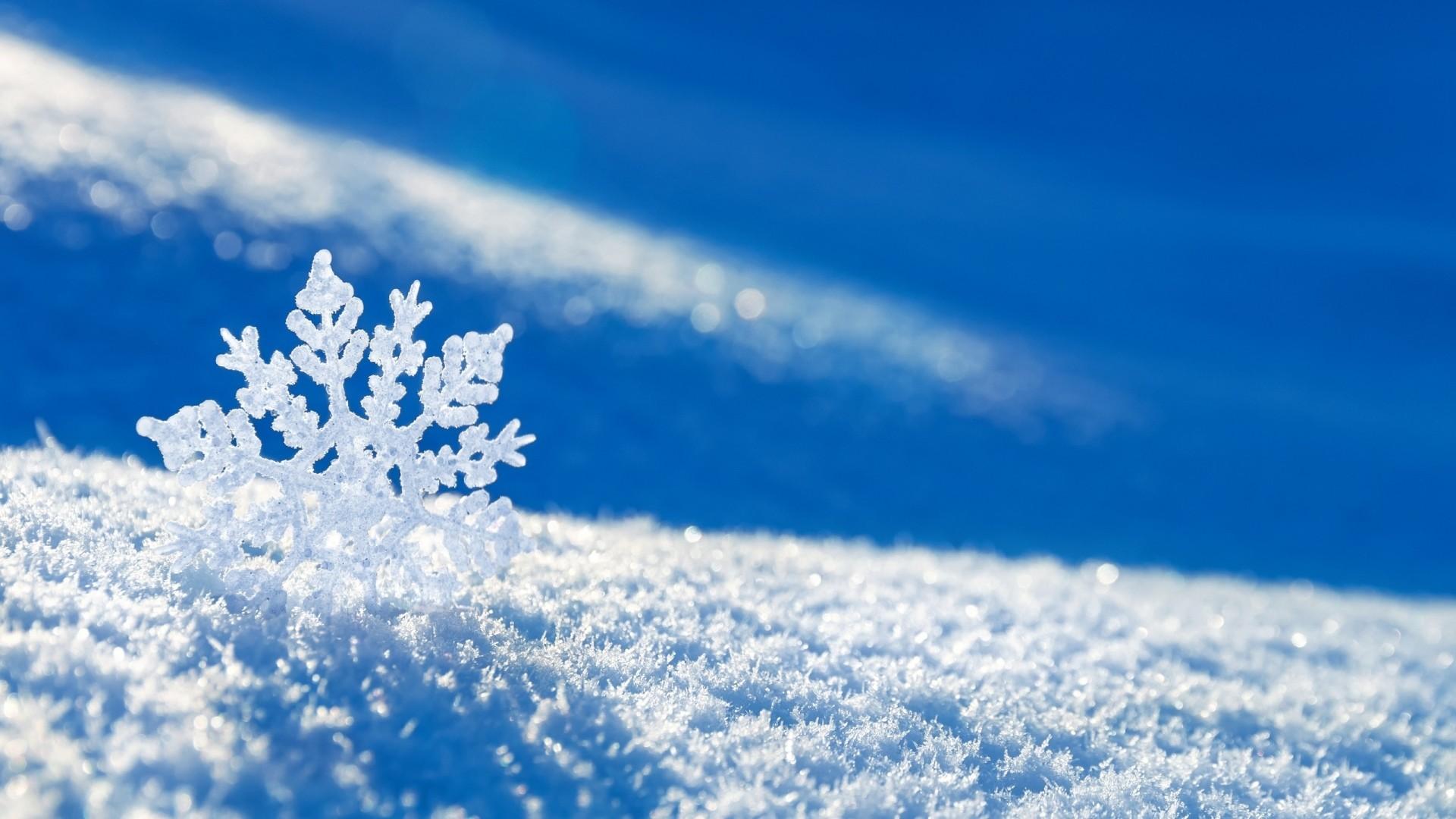 Preview wallpaper snow, snowflake, winter 1920×1080