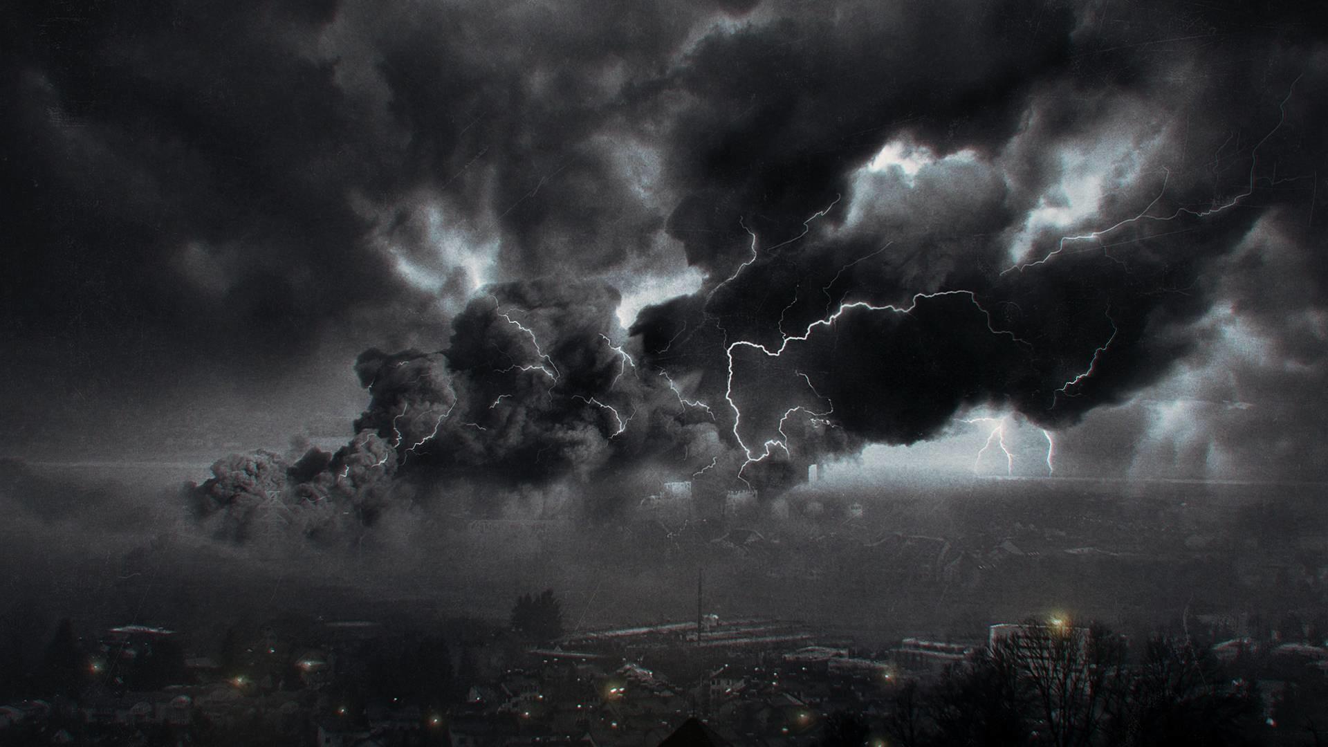 Free Wallpapers – Storm above big city wallpaper