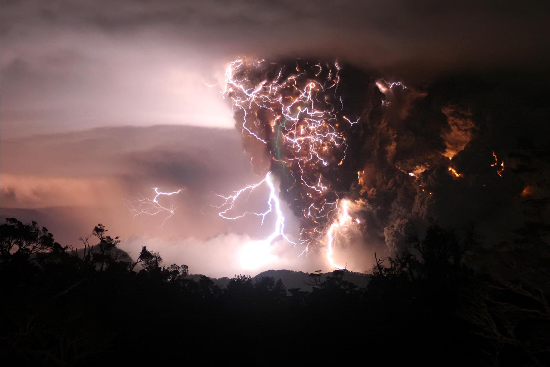 Lightning Storm Desktop Wallpaper.