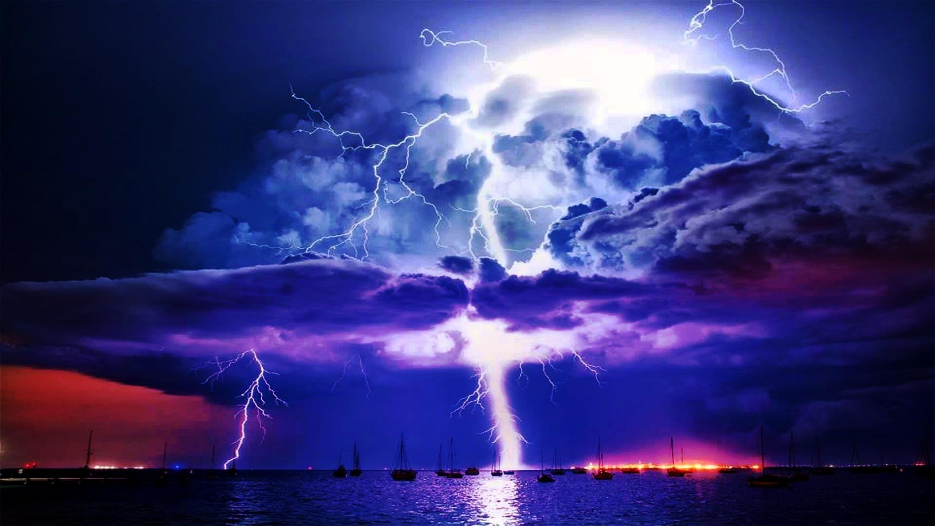Lightning Storm Wallpapers Free For Desktop Background px 128.11  KB