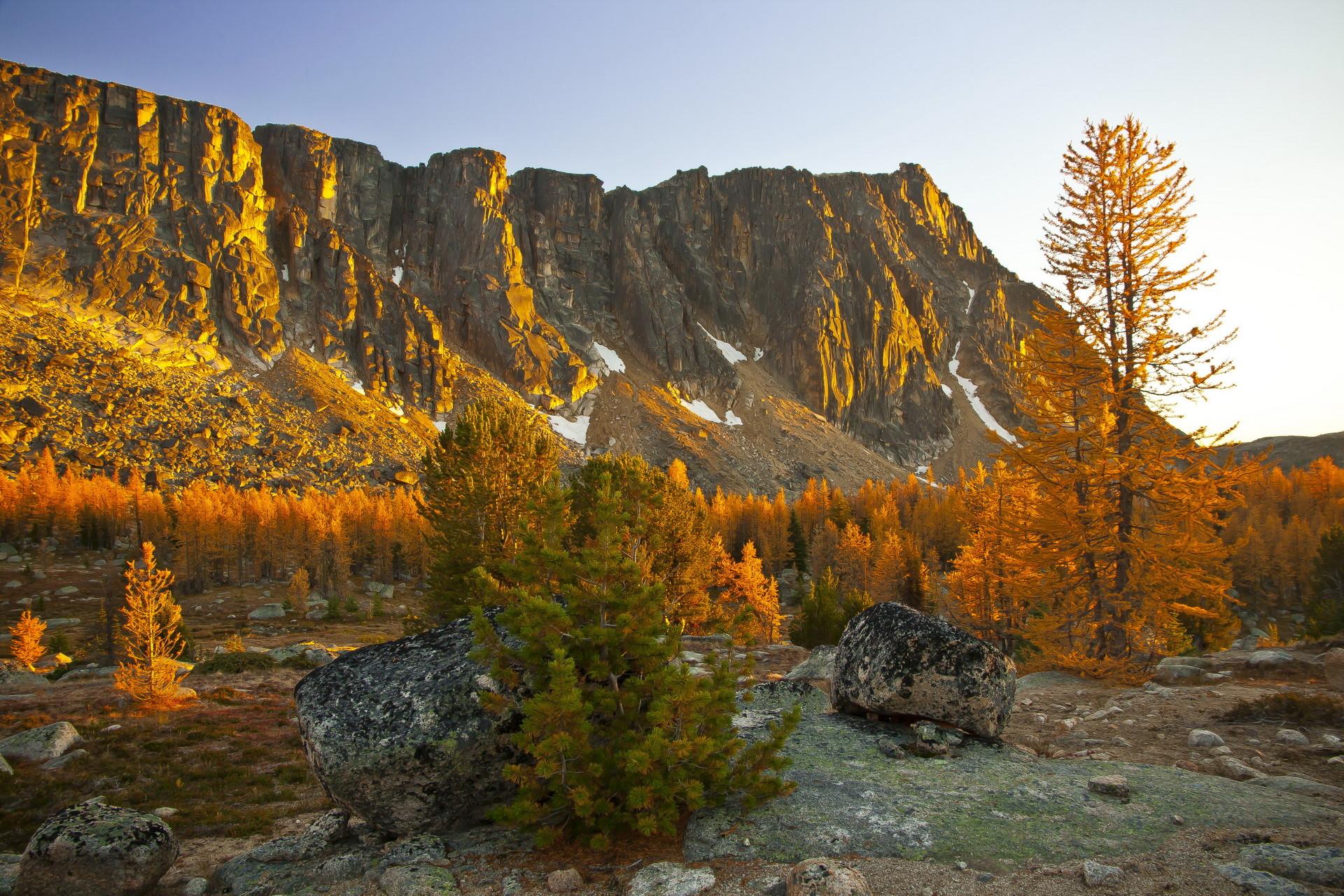 Ampitheater Mountain Fall, Pasayten Wilderness