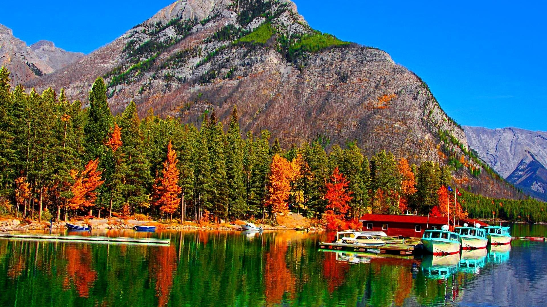 Fall Colors Lake Banff Canada Mountain Reflection Boats Autumn Forest Docks  Wallpaper – 1920×1080