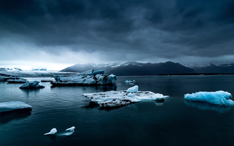 4K HD Wallpaper: Iceberg and Ocean in Jökulsárlón, Iceland