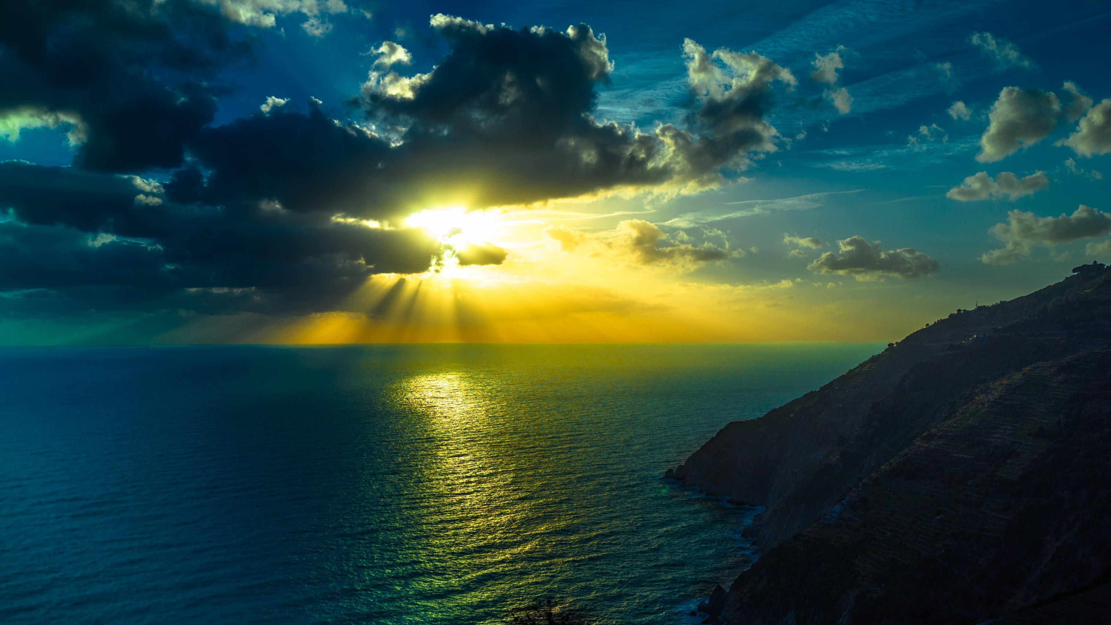 HD-Wallpaper-3840×2160-mountains-sea-ocean-clouds-night-