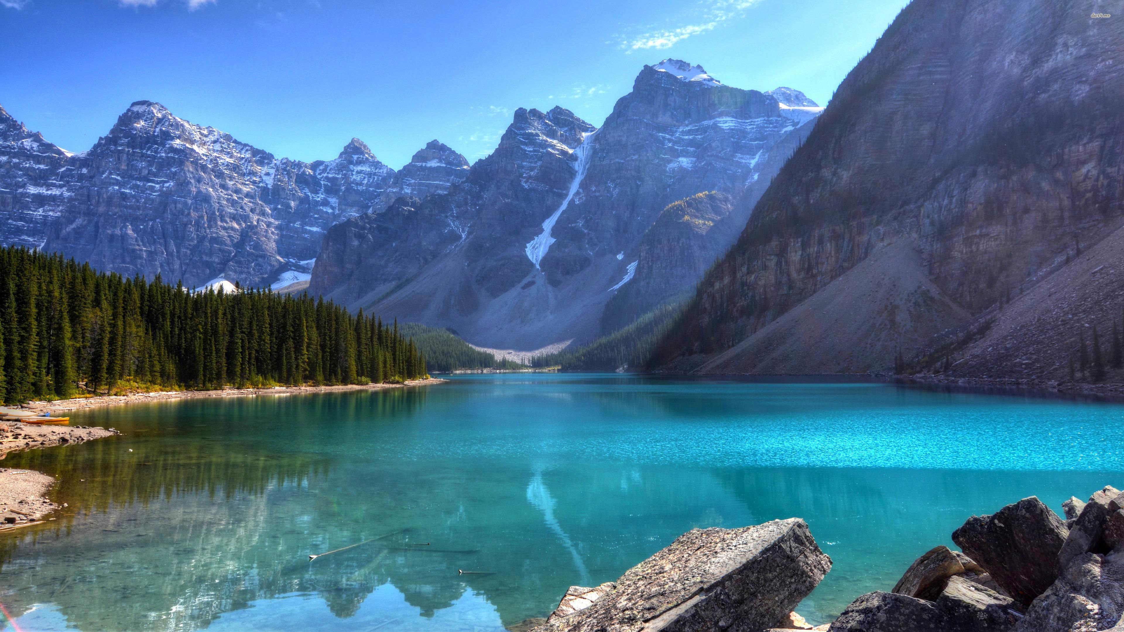 Beautiful Blue Mountain Lake – – 4K 16/9 (Ultra HD, UHD