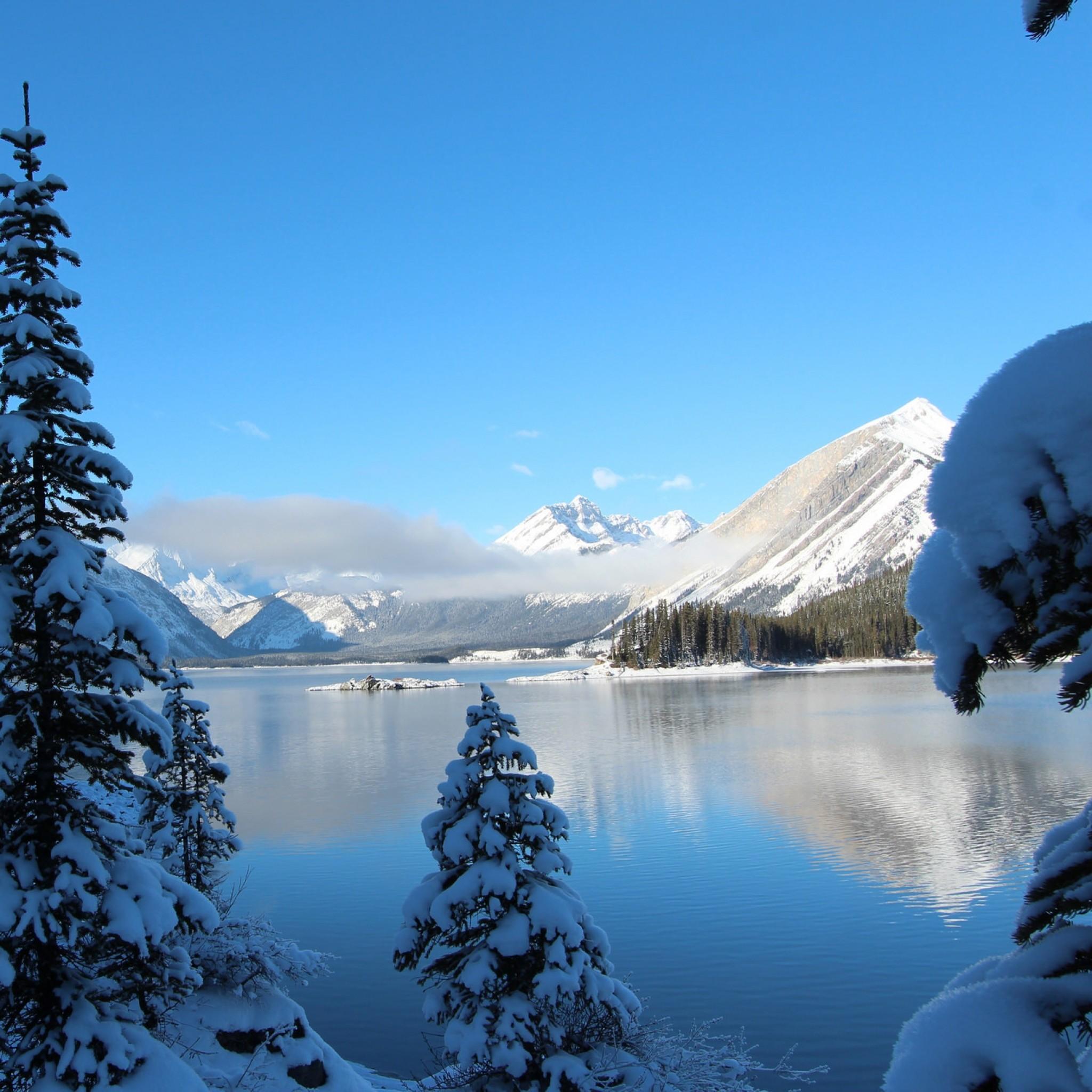 Preview wallpaper winter, snow, lake, mountain 2048×2048