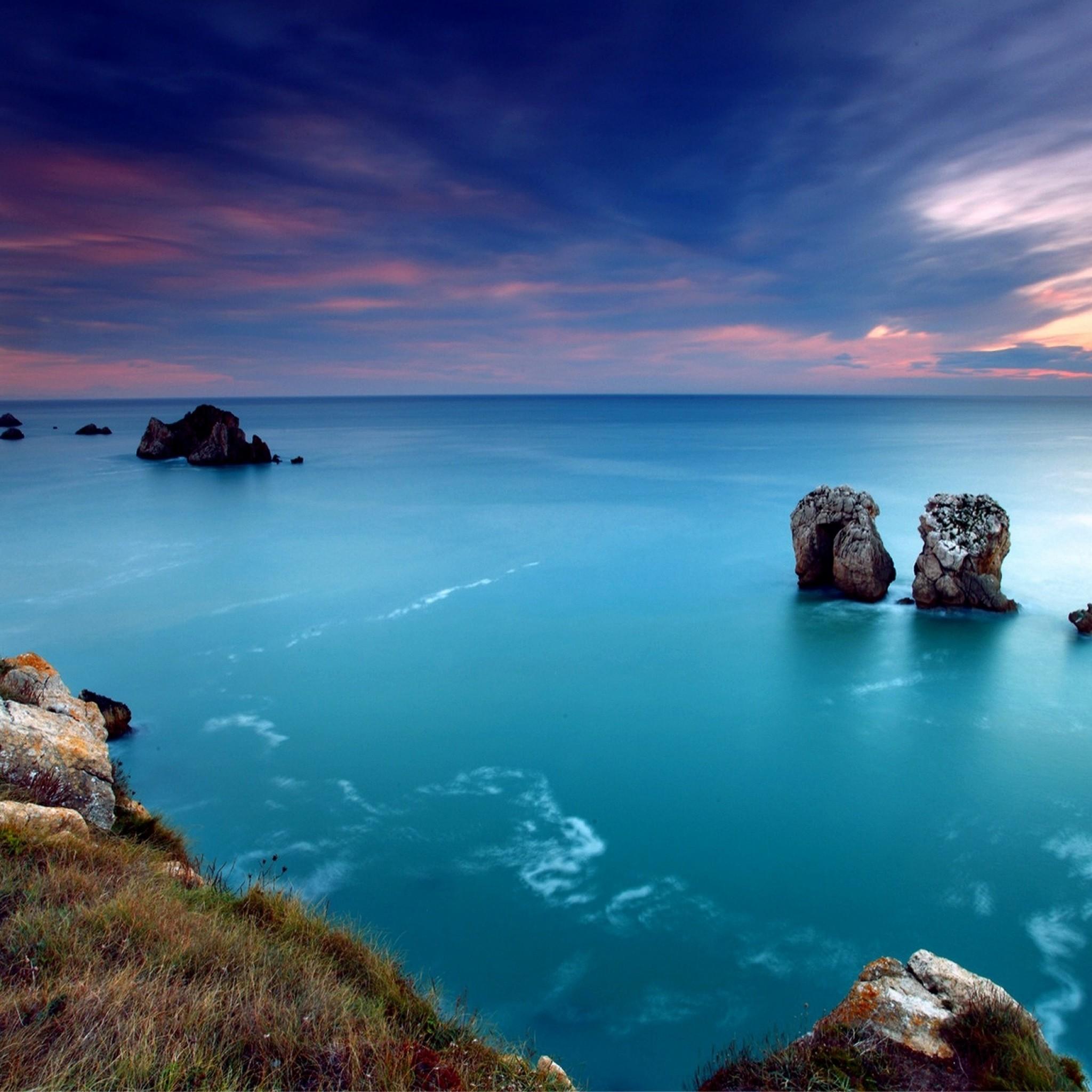 Preview wallpaper ocean, gulf, coast, blue water, lilac, evening 2048×2048