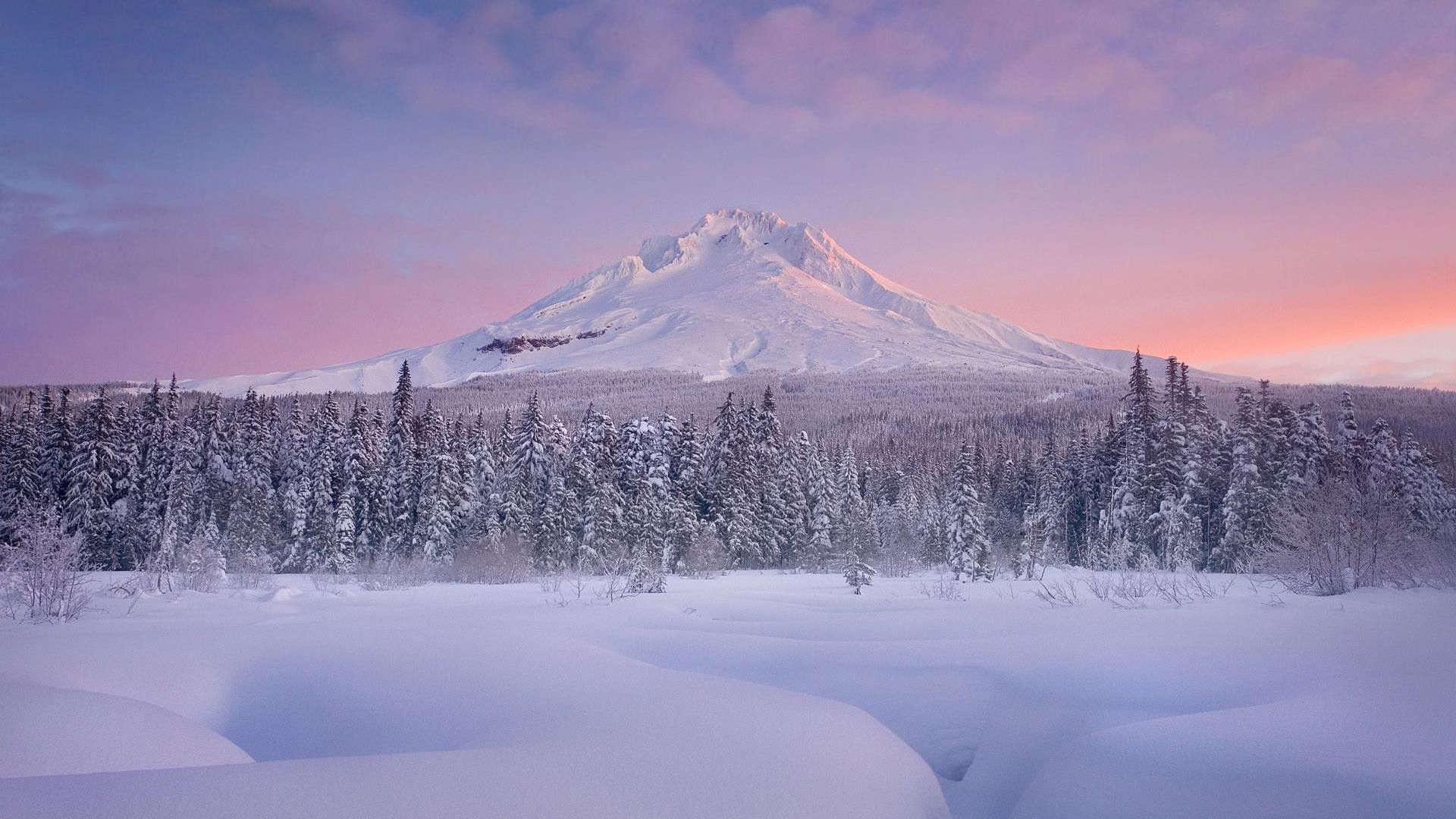 Charming winter scenery and mountain snow background wide  wallpapers:1280×800,1440×900,1680×1050
