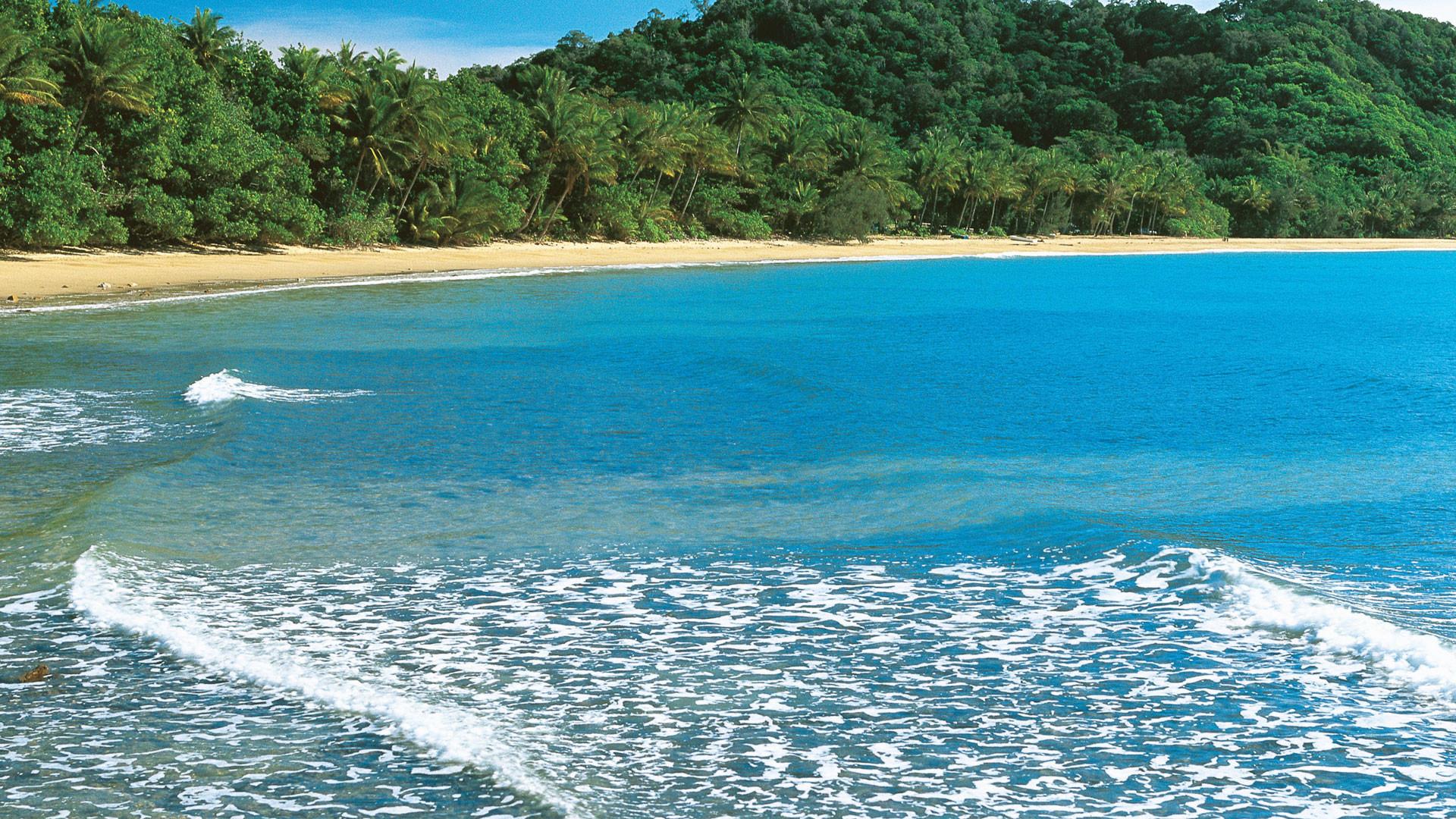 Mission beach qld susan wright | ImgStocks.com