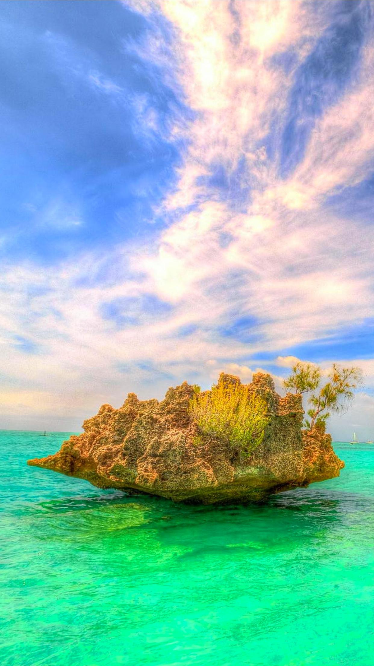 Mauritius-crystal-rock-3Wallpapers-iPhone-Parallax