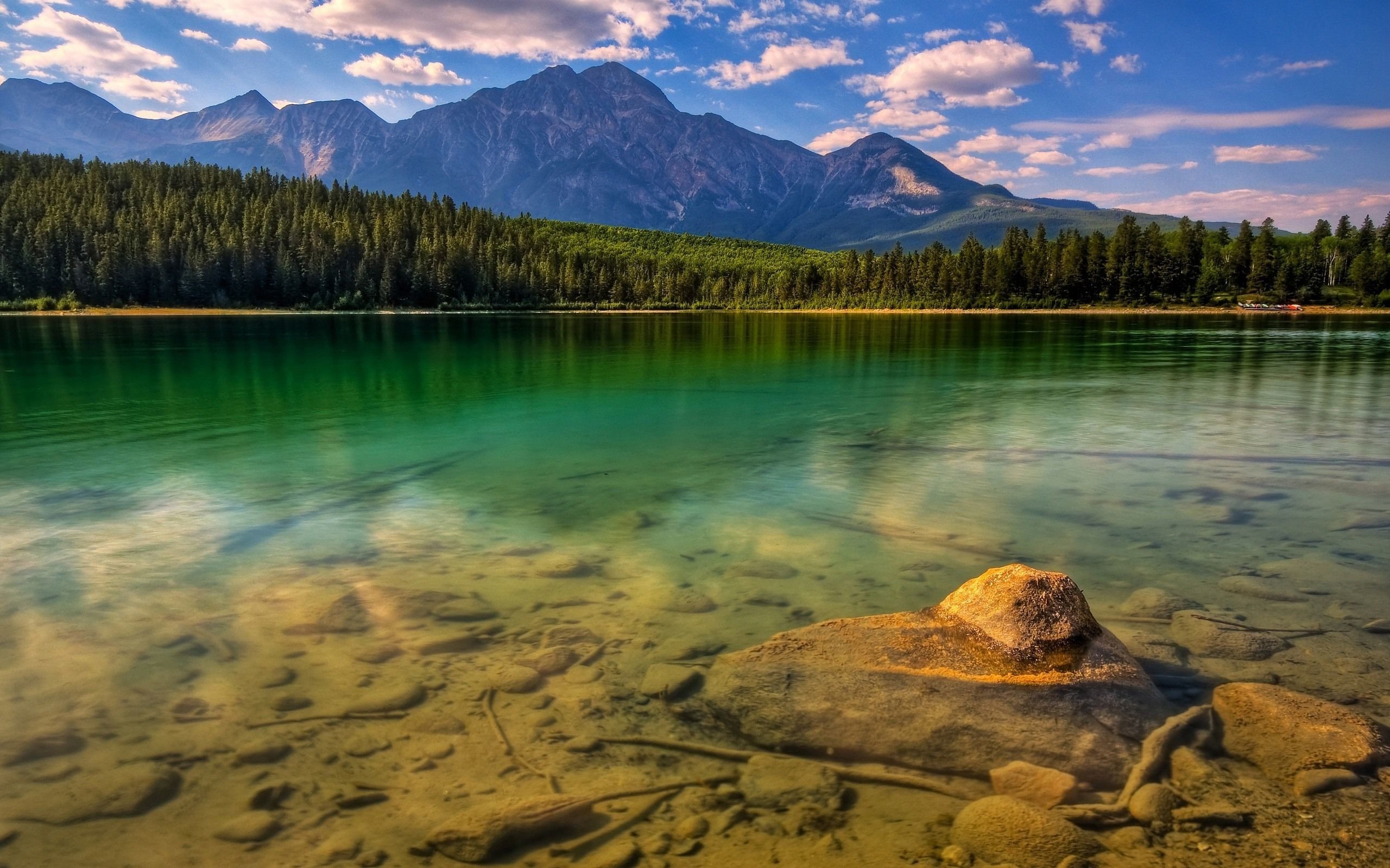 20 Beautiful Nature and Scenery Desktop Backgrounds