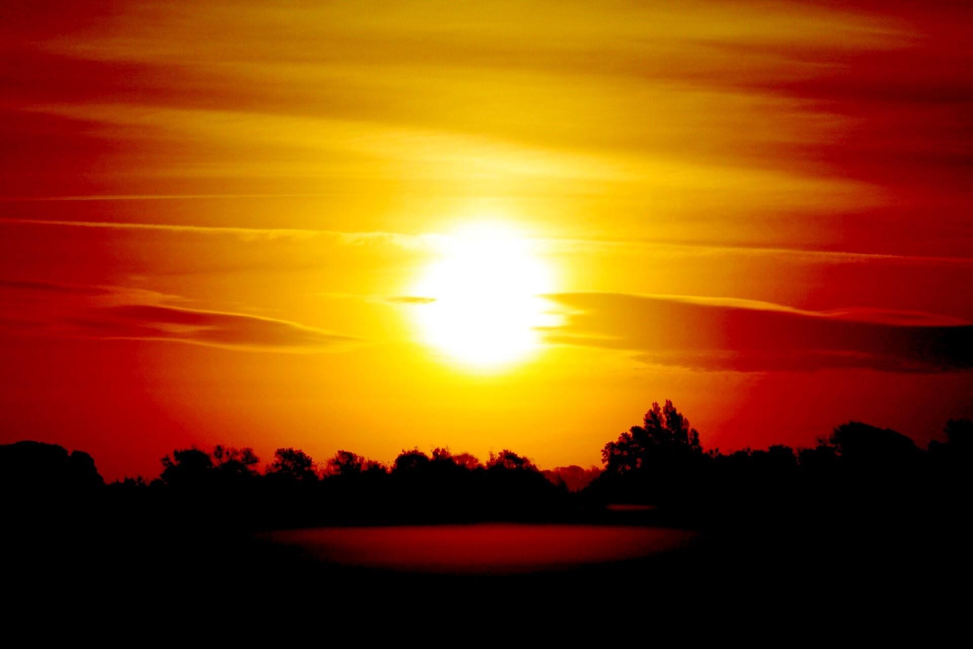 horizon cloud sky sun sunrise sunset sunlight morning dawn atmosphere  summer dusk evening scenic background beautiful