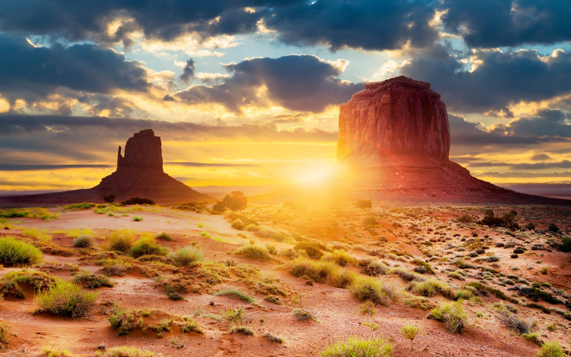 Monument Valley Arizona Sunny wallpapers and stock photos